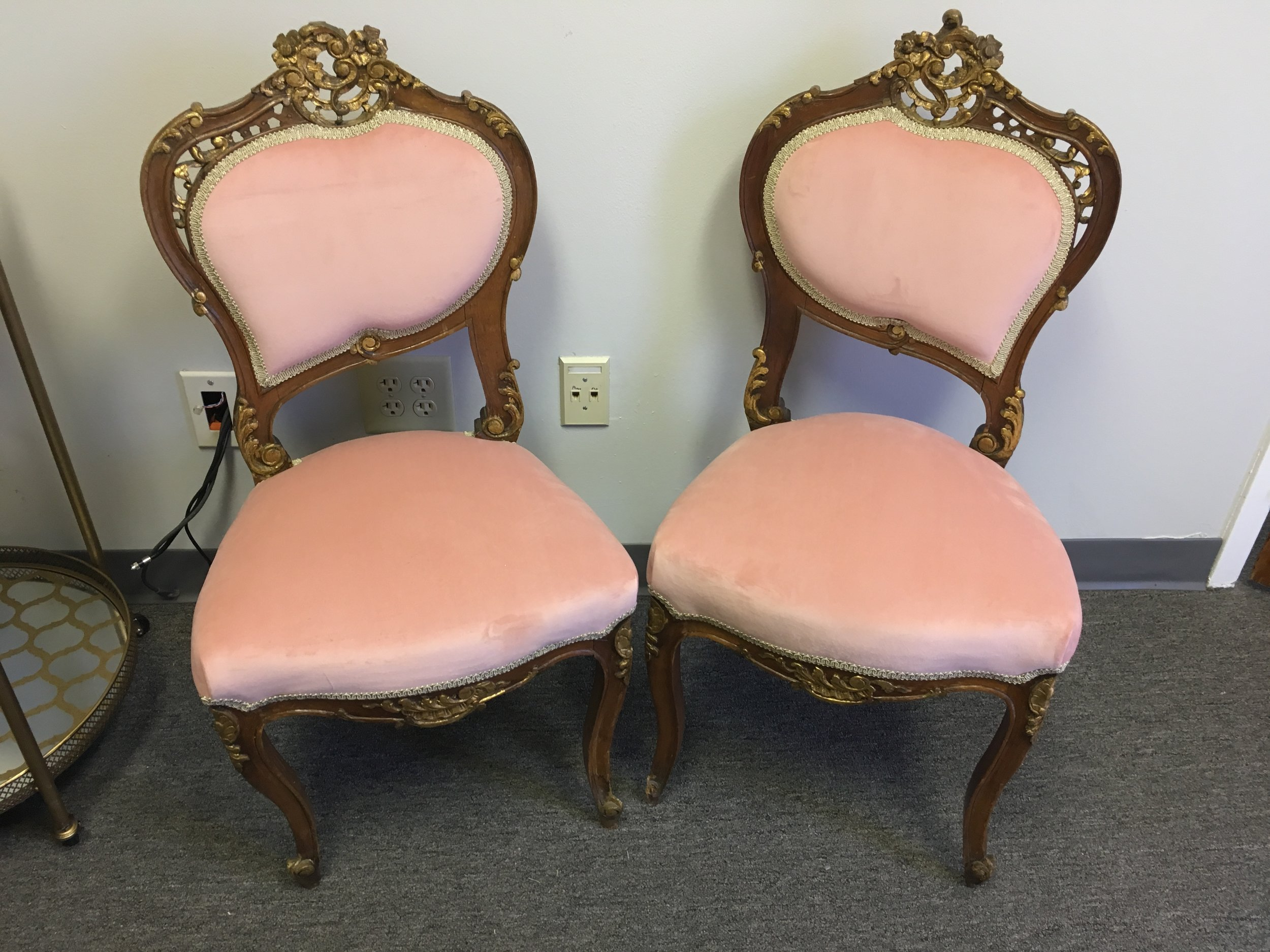 Pretty In Pink Sweetheart Chairs (2)