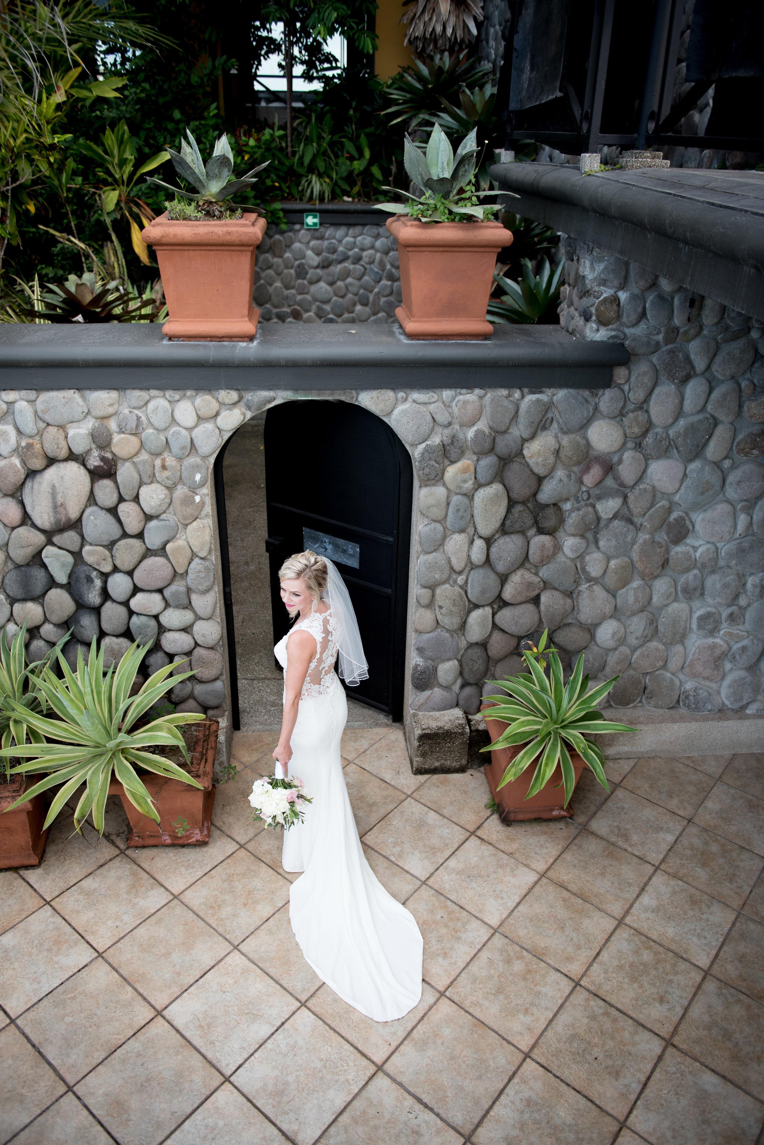Lindsay & Michael,   Costa Rica    Z  ephyr Palace