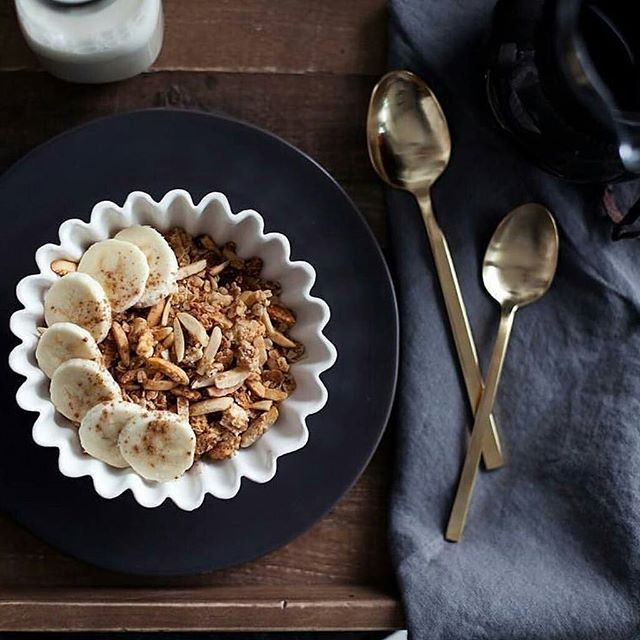 Cozy up in bed and make sure to end the weekend on a sweet note. #dishware #canvas #sundayfunday #dishoftheday #sweettooth #dishwareobession #dessert #thissh*tisbananas