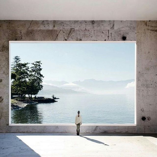 Did we wake up and land in #design heaven? Ilka Kramer takes a framed view to a new level with this spectacular landscape.. and it's absolutely perfect. Talk about #designinspiration #amiright?! #window #framingnature #ilkakramer #architecture #roomwithaview #design