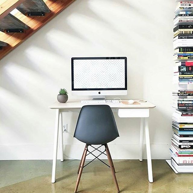 We are obessed with Blu Dot's Stash Desk. It's so simple and perfect for the long (cold) days ahead of us. Pull up an Eames molded side chair and BOOM you're set. Bring on the fall, bring on the fun. Autumn, WE'RE READY. #bludot #desk #officeready #autumn🍁 #design #workit #workspacegoals #stashdesk #werkit