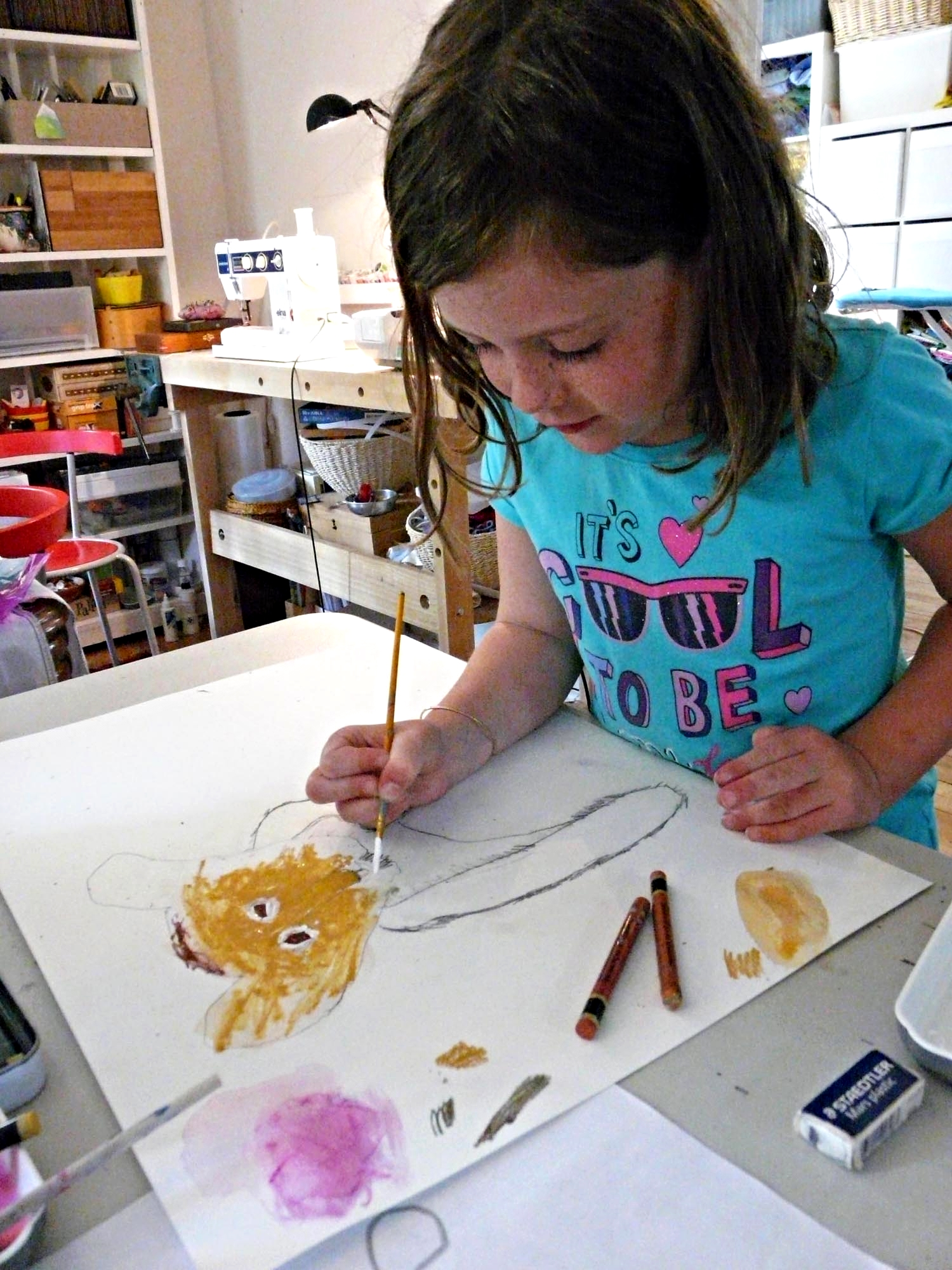 KIDS' PAINTING STUDIO