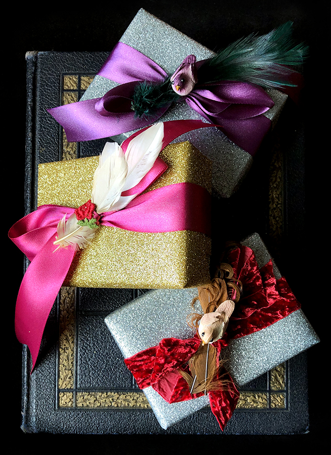 An example of our complimentary gift wrapping.