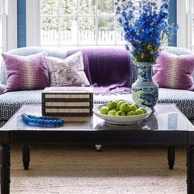 @leeannthorntondesigns BRAVO 👏🏼 This room is beyond spectacular!! Sofa upholstered with our Amazon Indigo fabric. This pattern play and color scheme is on point 💙💜💙 #carolinairvingtextiles #amazon #indigo #leeannthorntondesigns