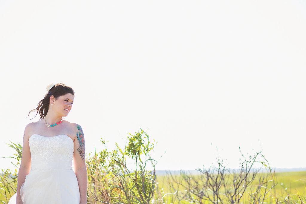 Laura + Matt Featured DIY Wedding // The Overwhelmed Bride Bridal Lifestyle + Wedding Blog // Wedding Bouquet