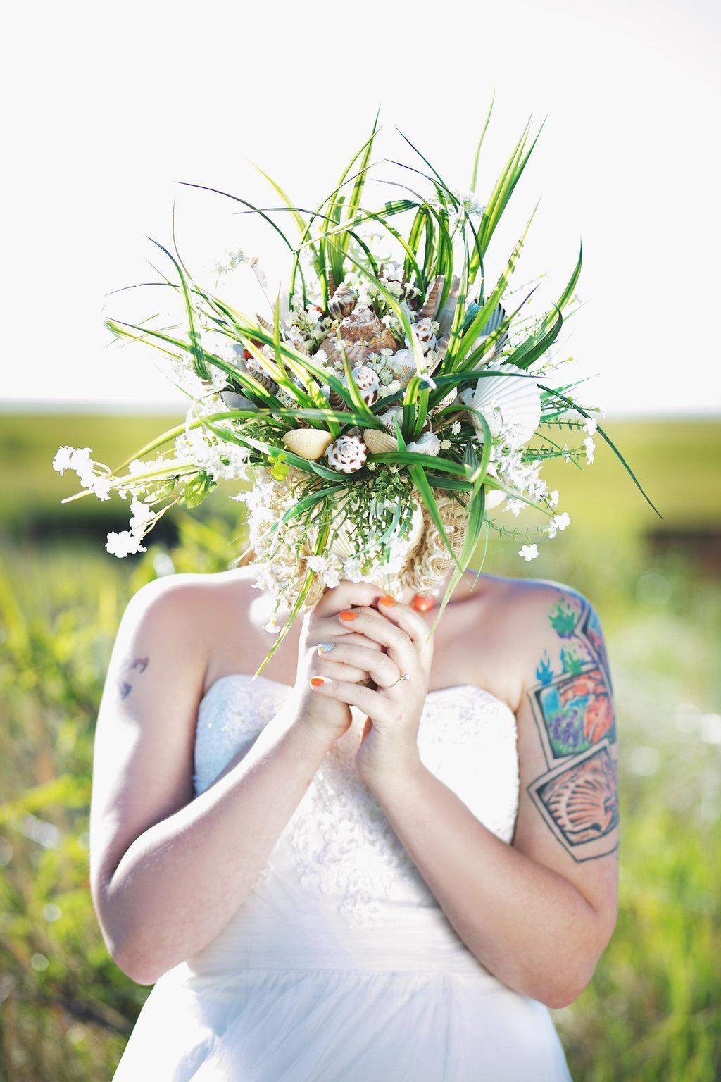Laura + Matt Featured DIY Wedding // The Overwhelmed Bride Bridal Lifestyle + Wedding Blog // Bridal Bouquet