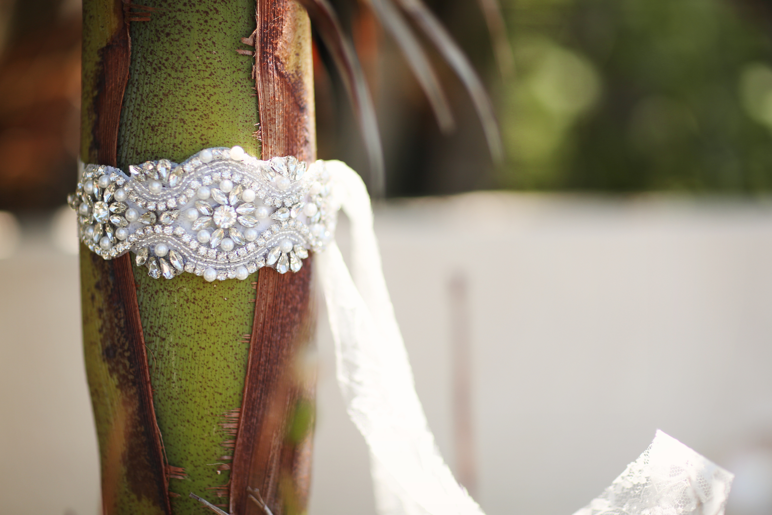 Southern Ever After Pearl, Rhinestone, and Lace Bridal Headband Headpiece // The Overwhelmed Bride Bridal Lifestyle + Wedding Blog // Southern California Wedding Planner