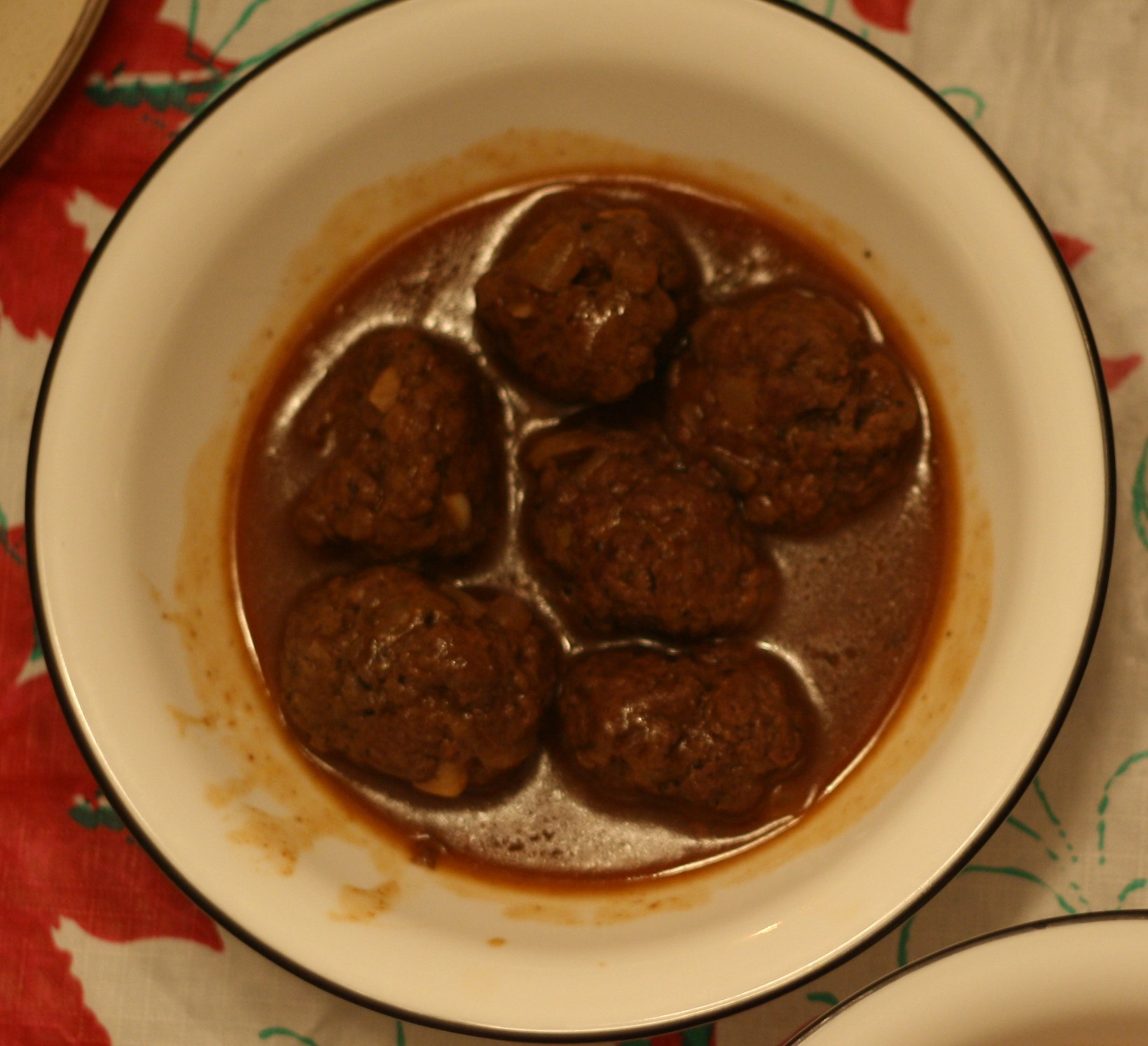 Winter Meatballs Recipe // The Overwhelmed Bride Wedding Blog + Southern California Wedding Planner