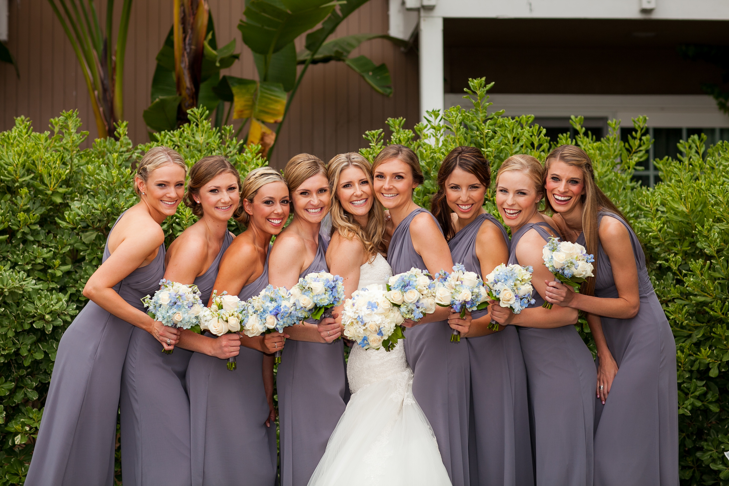 large bridal party is a bad idea