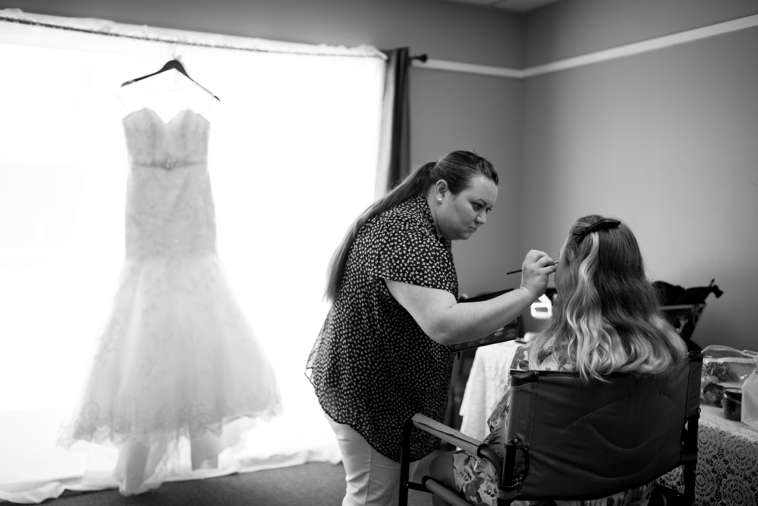 bridal getting ready shots
