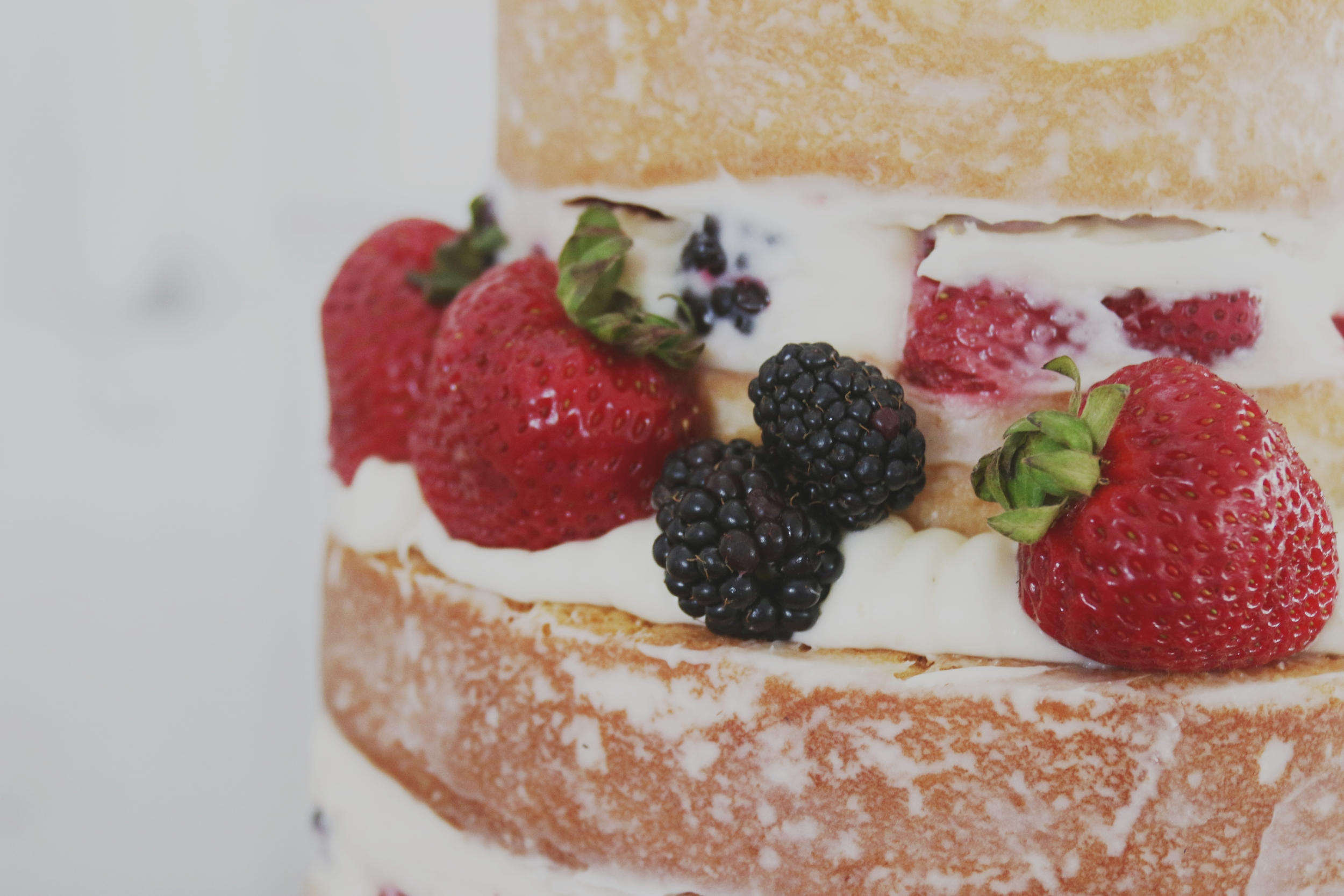 rustic wedding naked cake