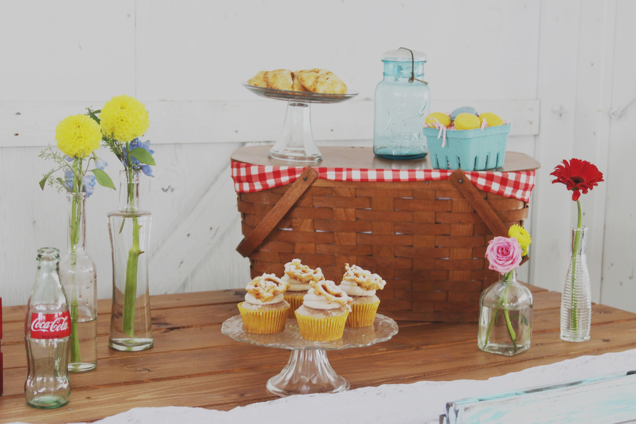rustic wedding sweets dessert buffet