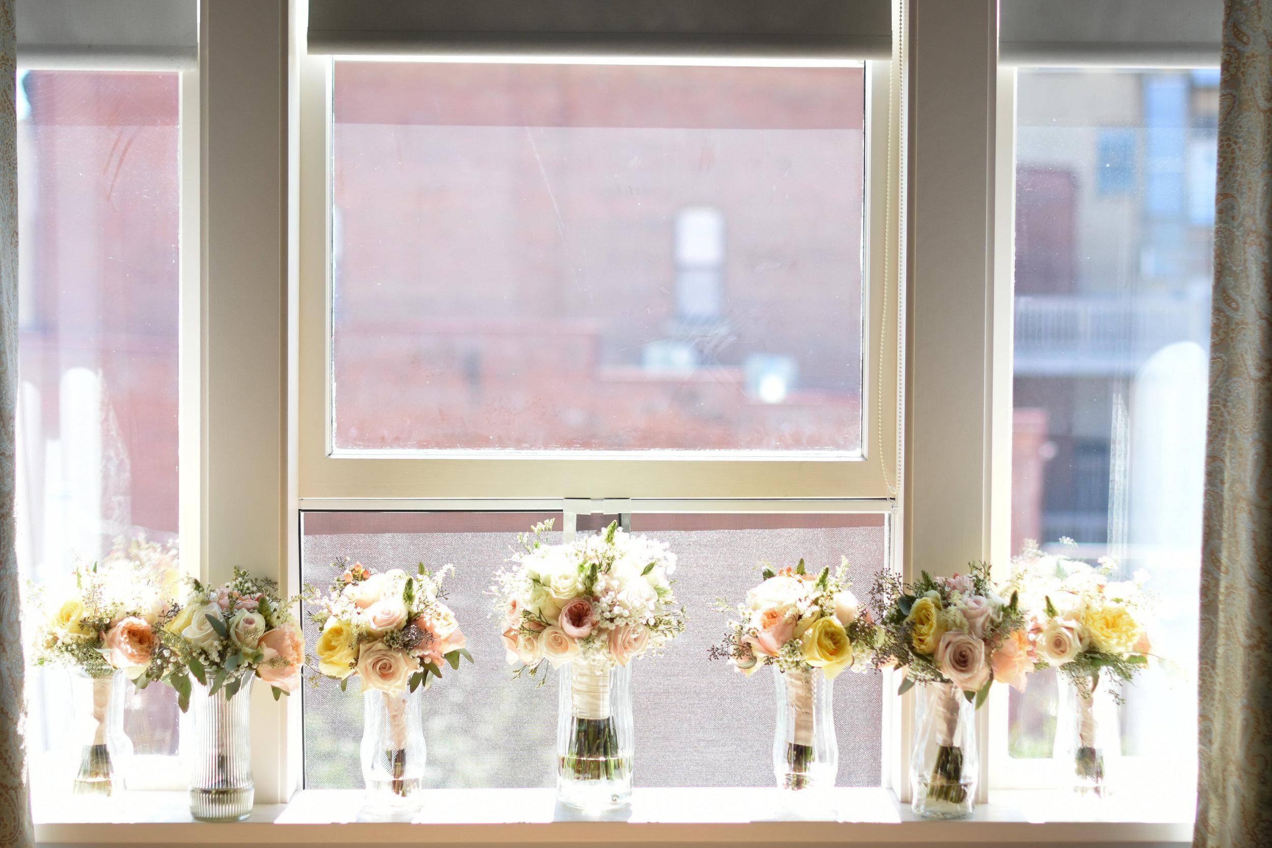 blush wedding bouquets // macy marie photography wedding