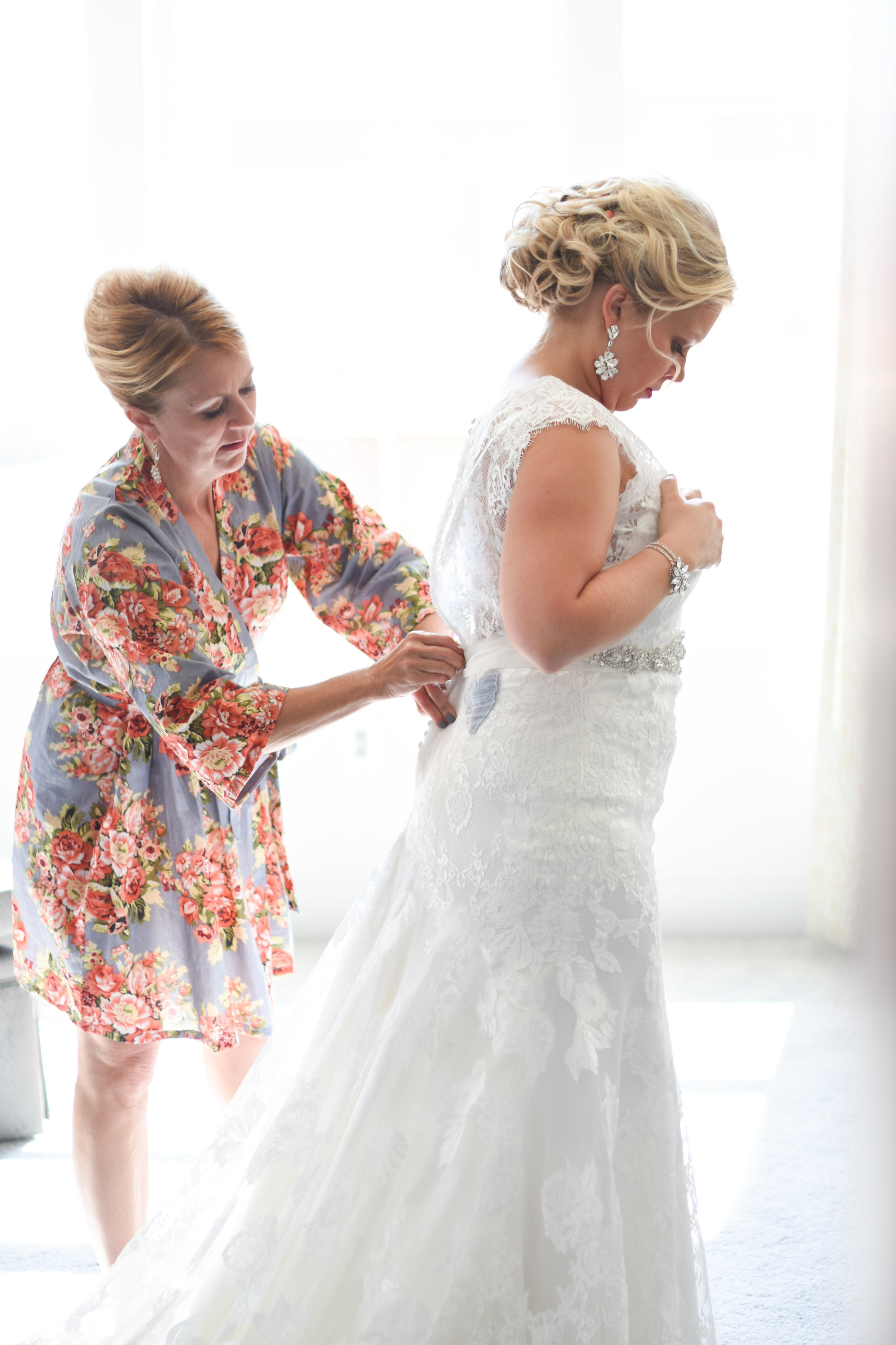 stunning mother of the bride photos // macy marie photography wedding