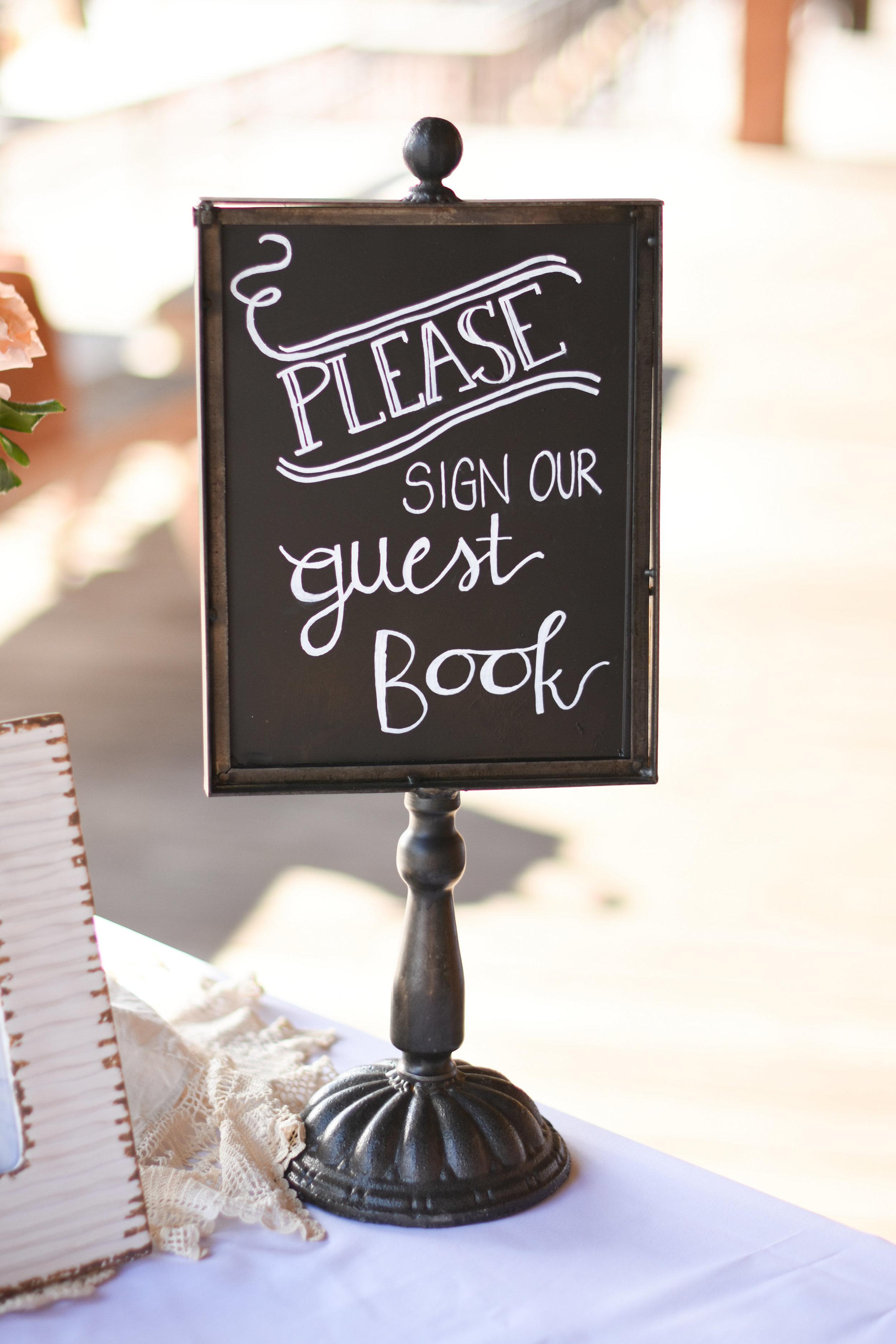 alternative guest book ideas // macy marie photography wedding