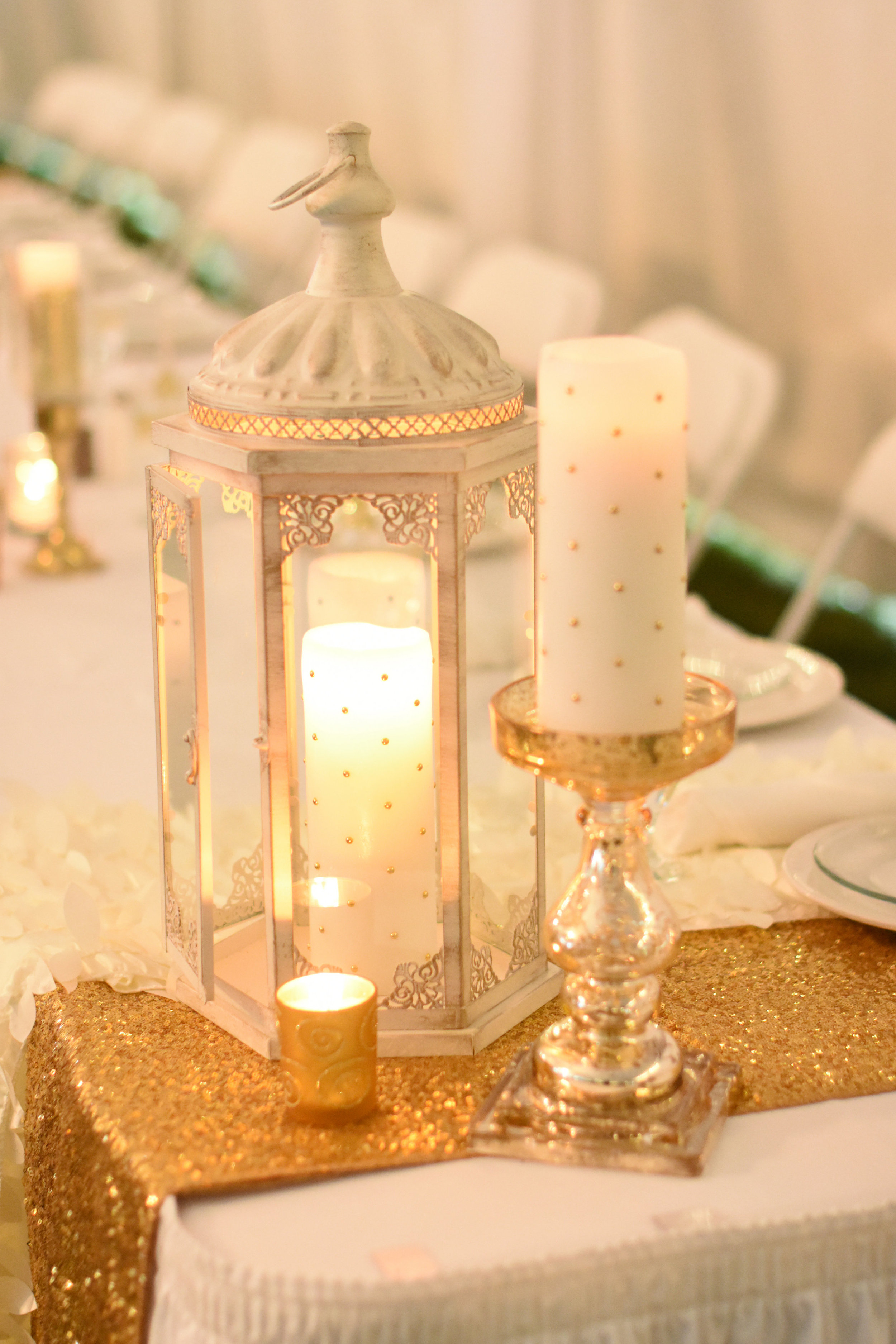 gold and white wedding reception decor // macy marie photography wedding