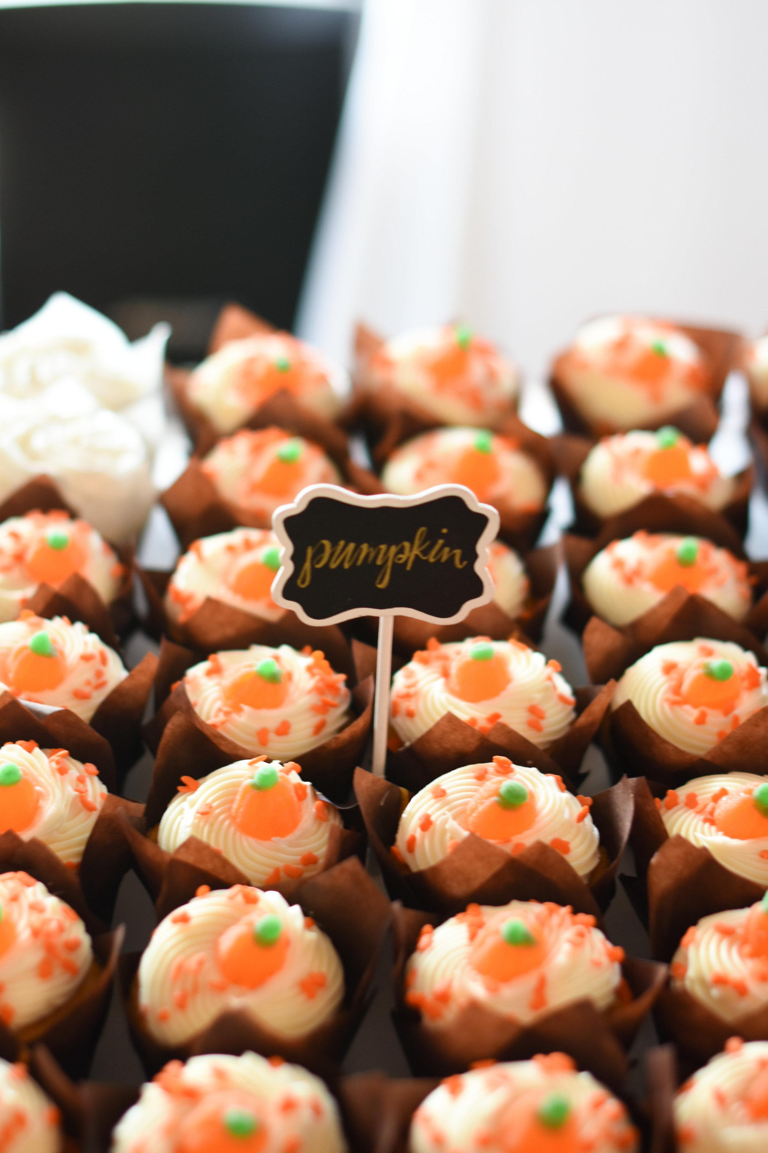 wedding dessert buffet ideas // macy marie photography wedding