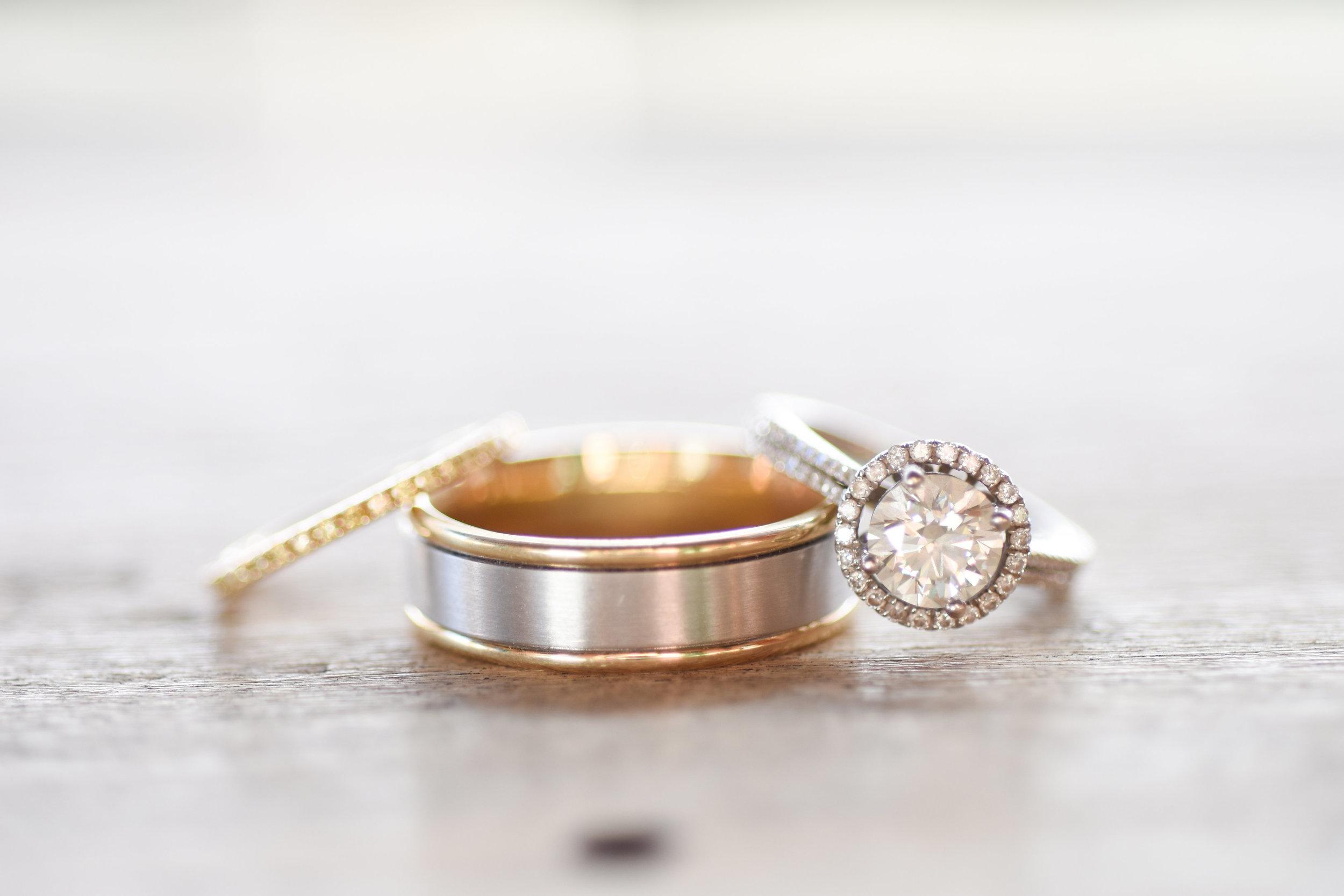 best wedding ring photos best wedding photography // macy marie photography wedding