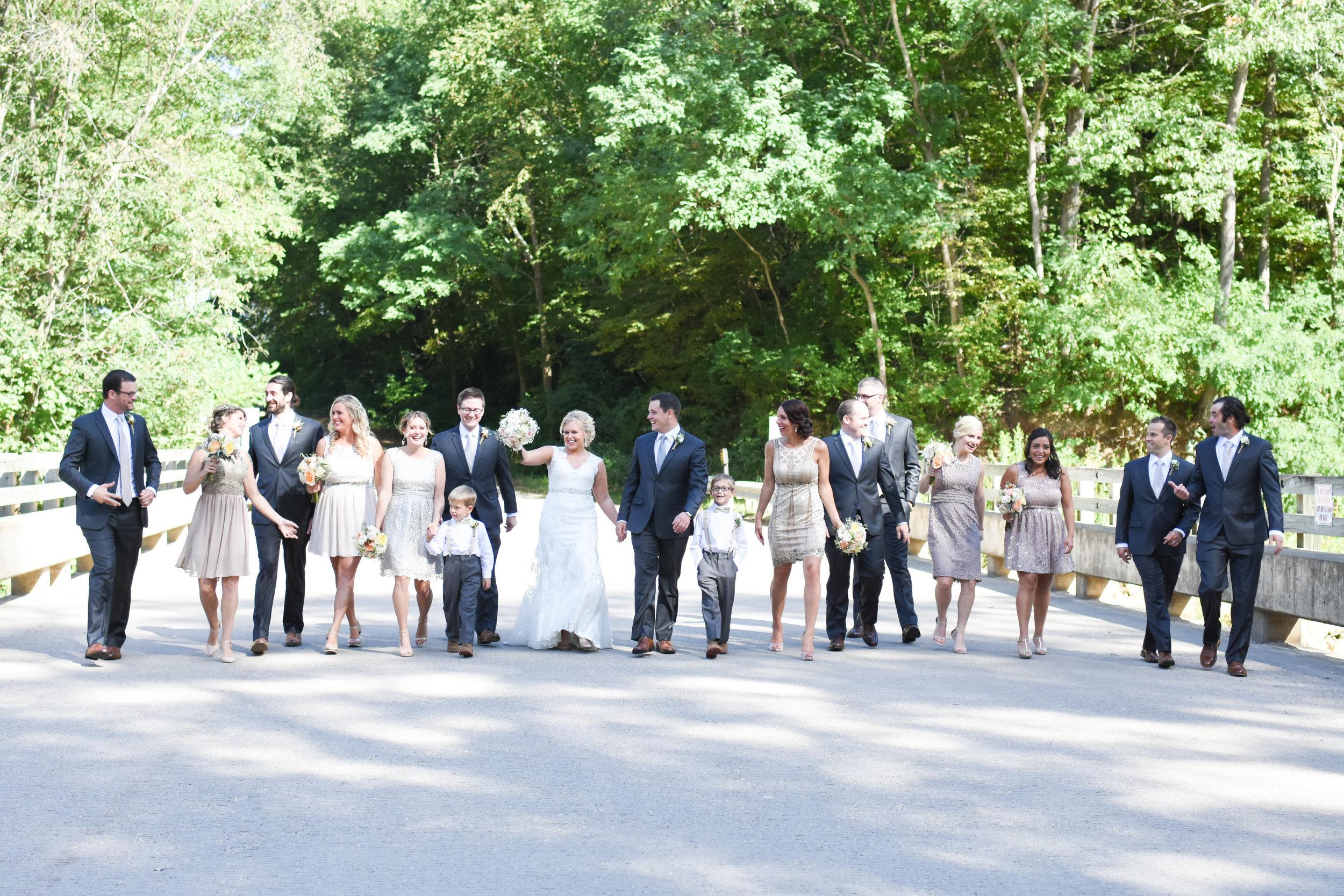 best wedding party photos // macy marie photography wedding