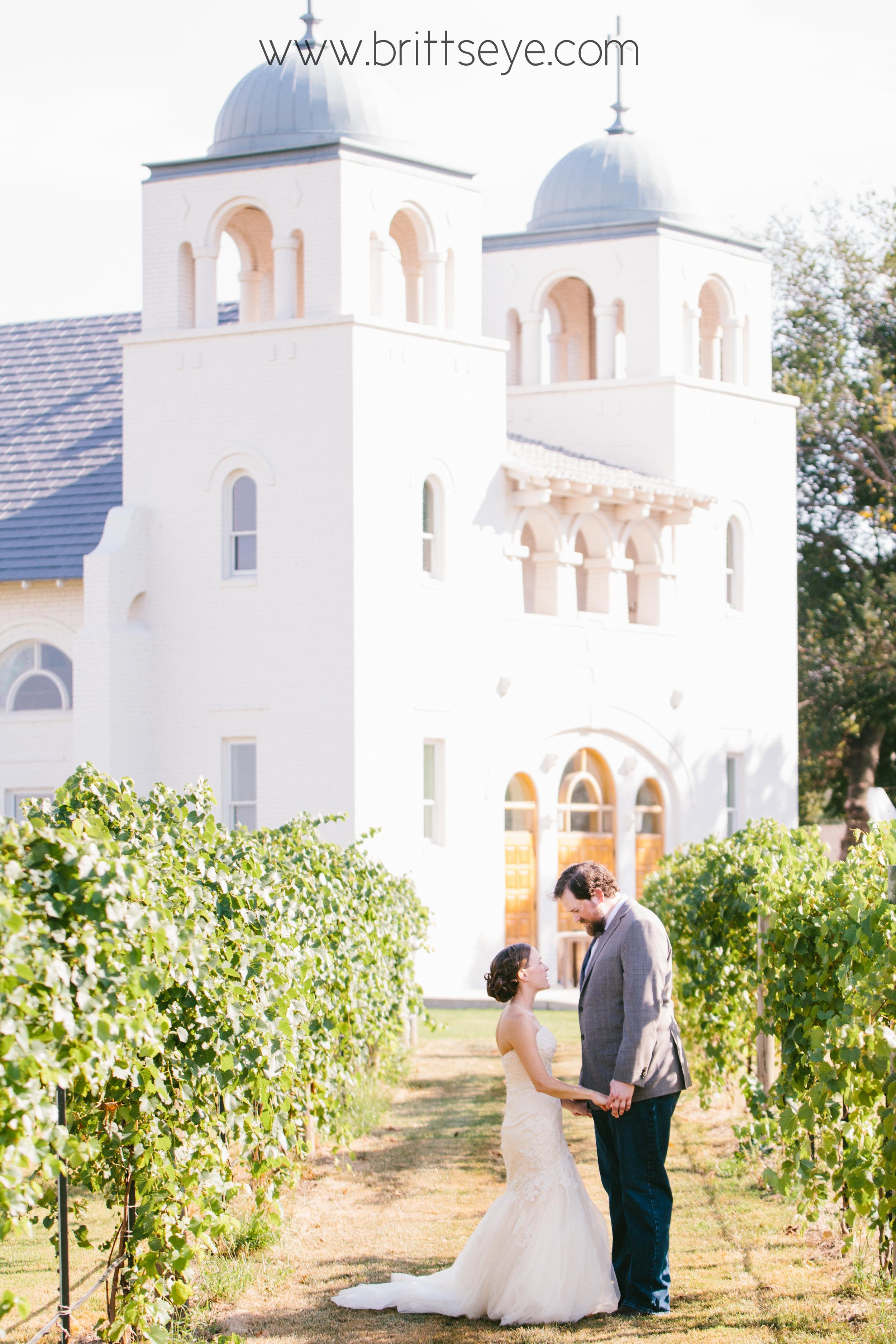 rustic oklahoma wedding photography - rustic intimate oklahoma wedding at Darlington Chapel