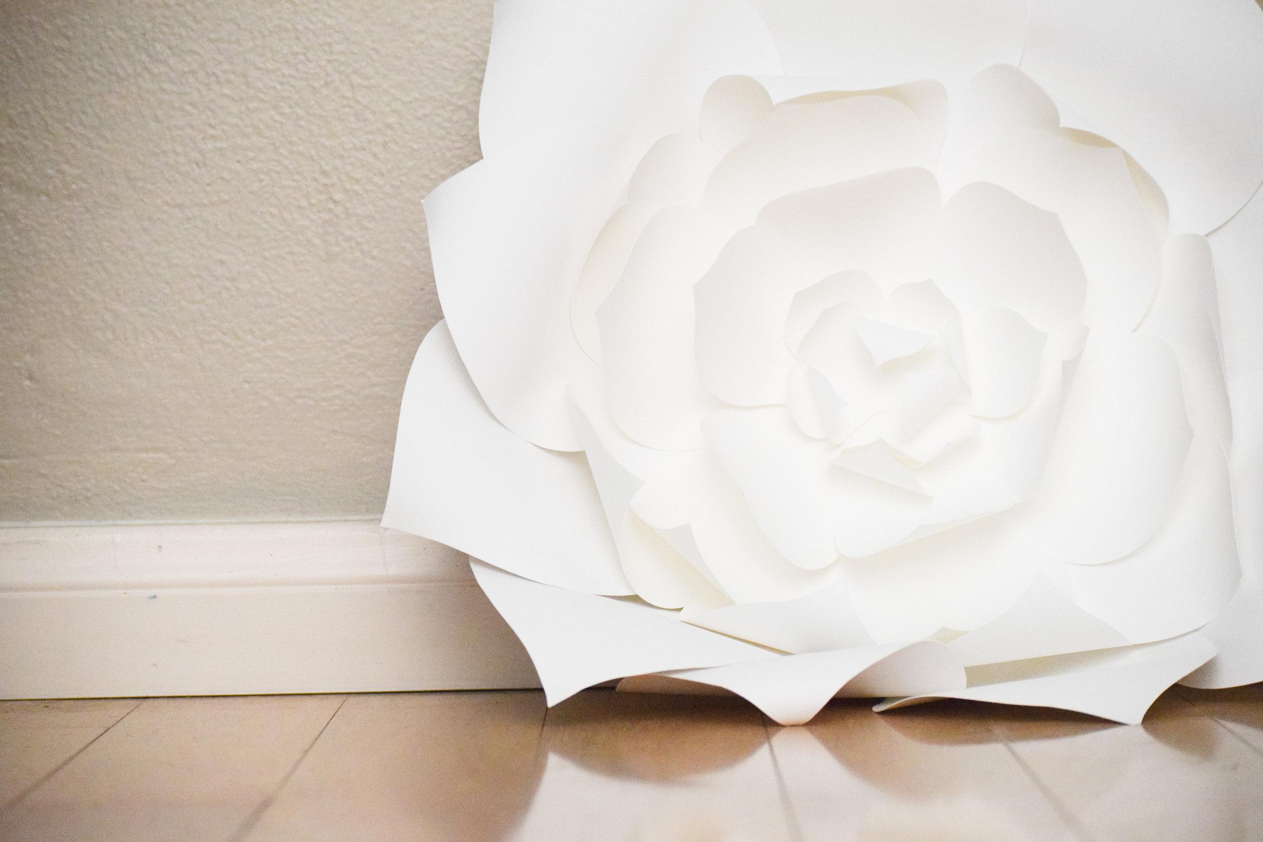 paper flower wedding decor