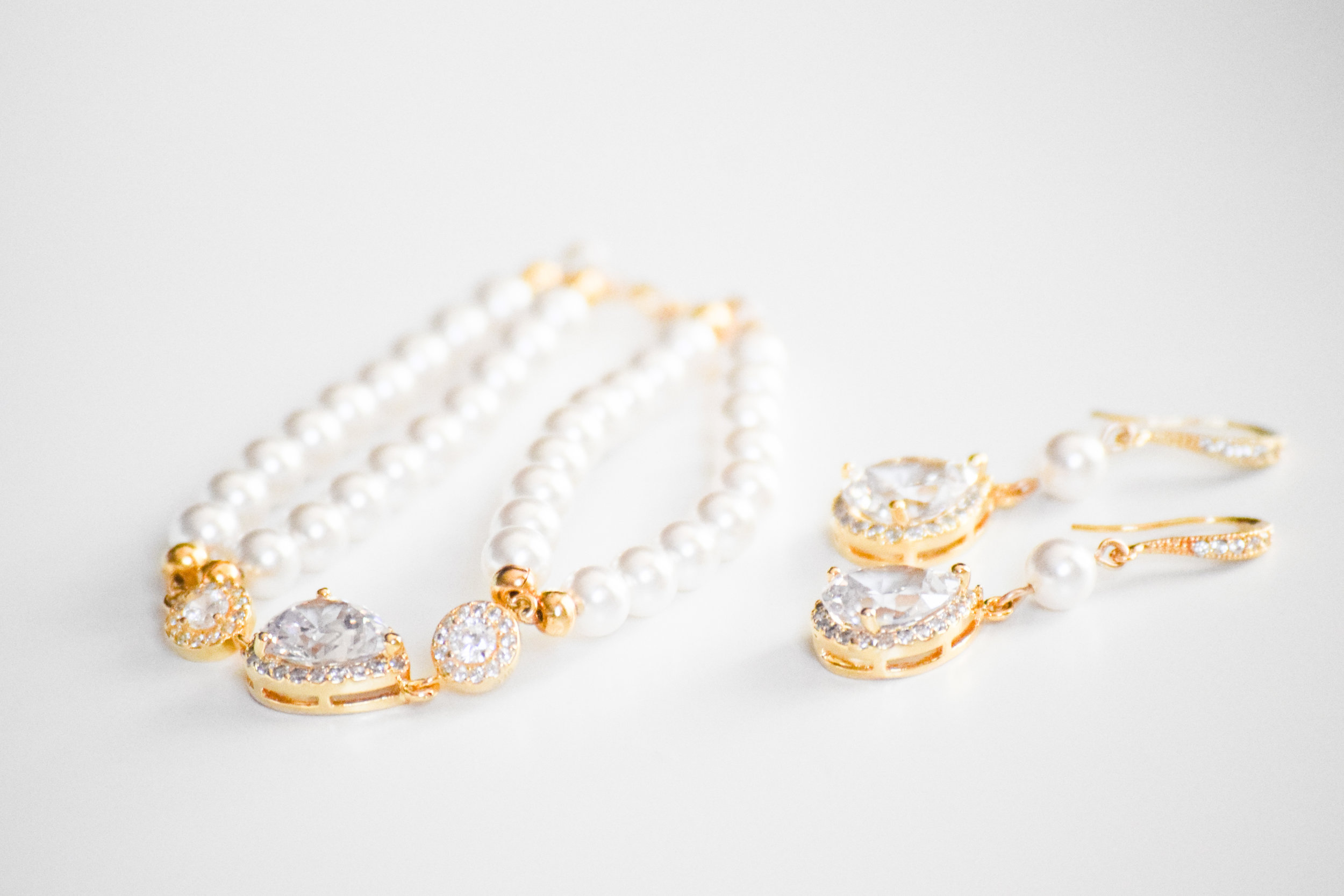 Gold + Pearl Bridal Jewelry Set by Estylo Jewelry