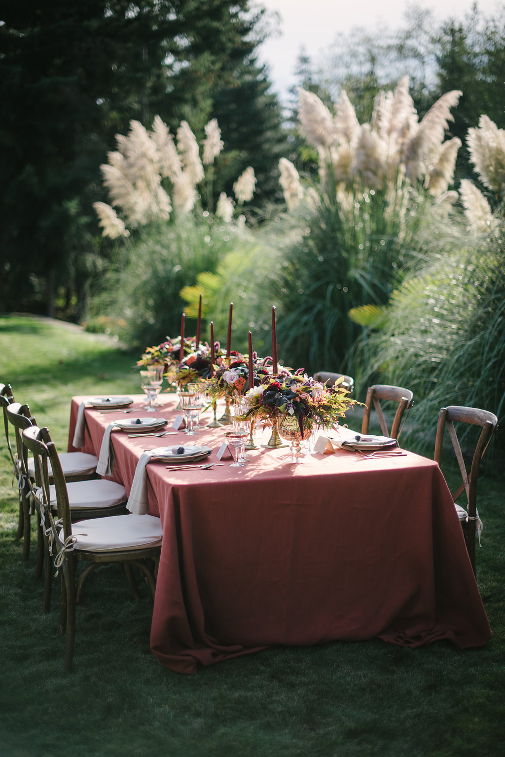 STYLED WEDDING SHOOT | A Romantic Vintage Fall Wedding