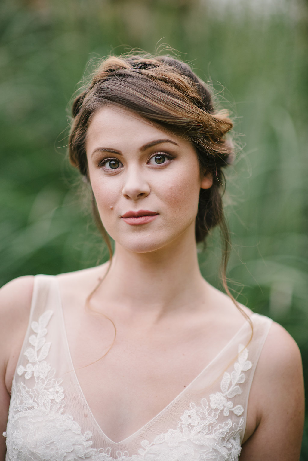BHLDN R  eagan Wedding Dress - Fall Wedding Bouquet - Vintage Bridal Hairstyle - STYLED WEDDING SHOOT | A Romantic Vintage Fall Wedding