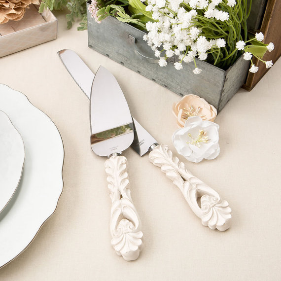 Unique Wedding Cake and Knife Servers