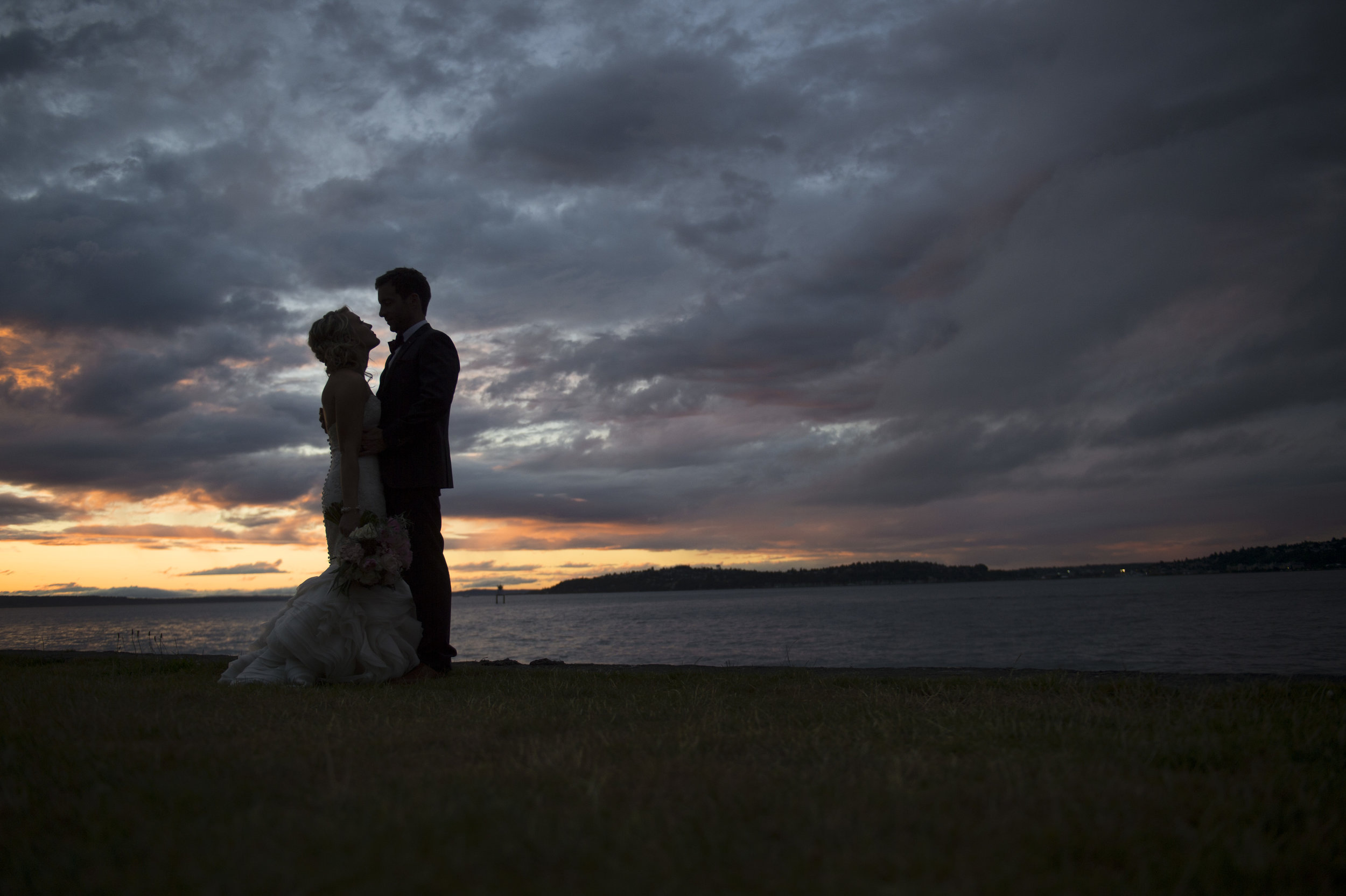 A Romantic Sodo Park Seattle Wedding - Kimberly Kay Photography