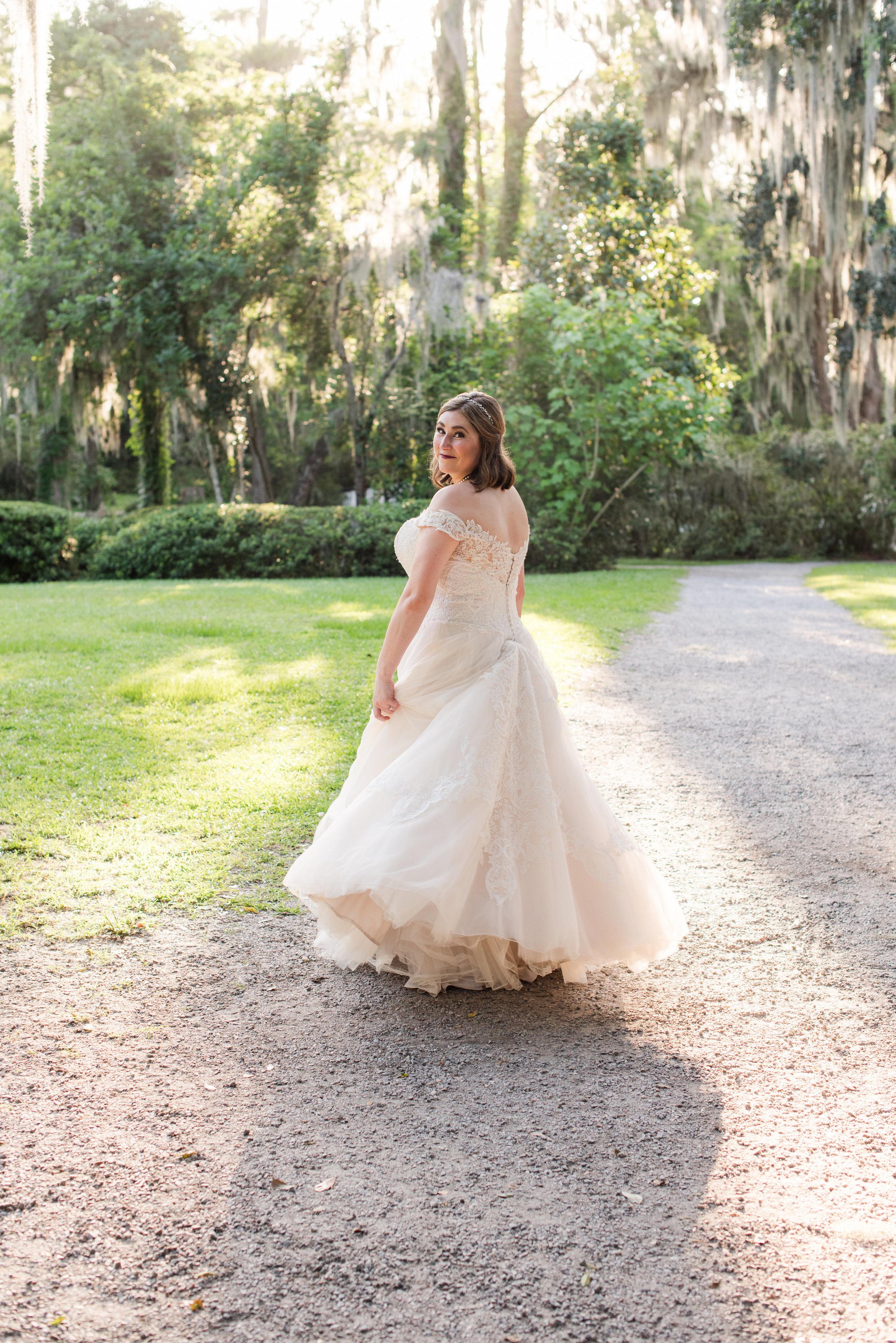 A Charleston Magnolia Plantation Peacock Wedding - Meredith Ryncarz Photography