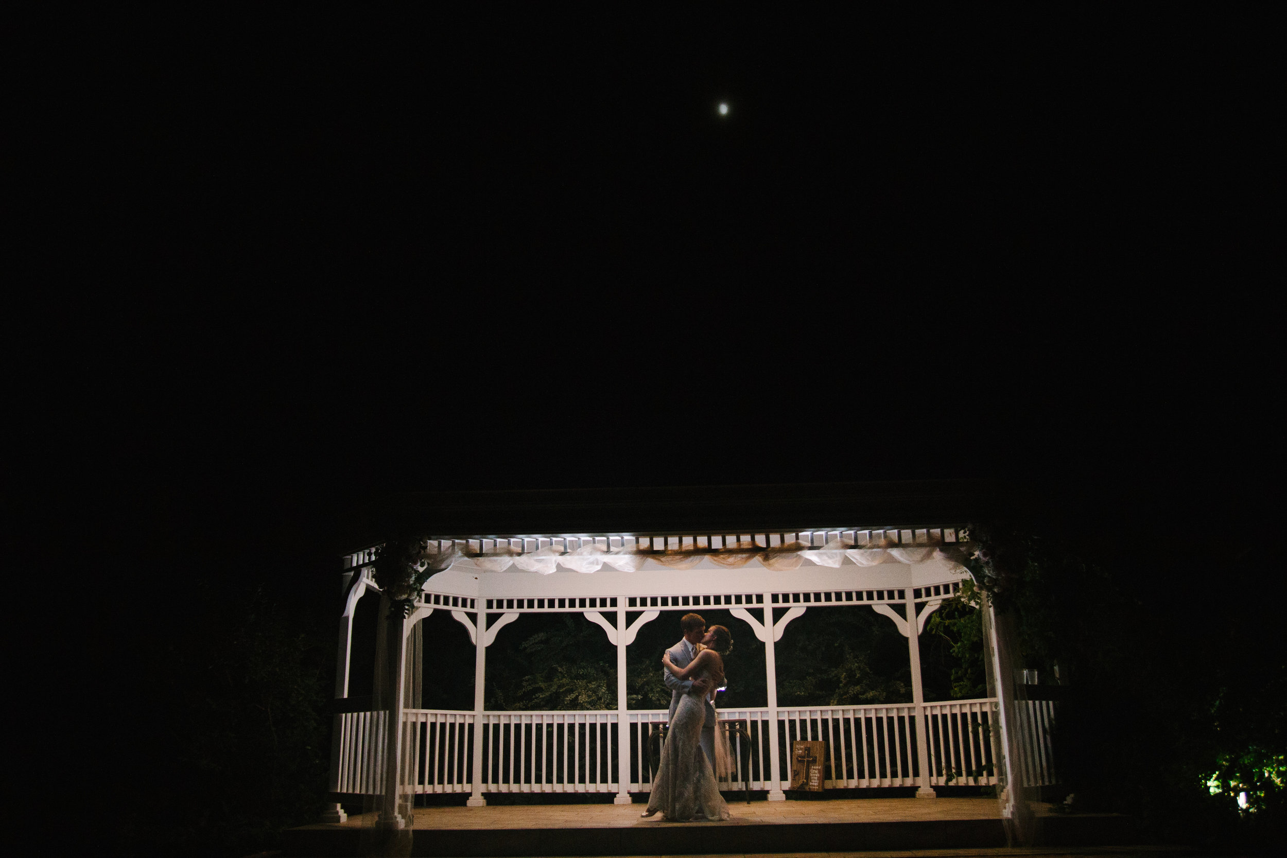 Wedding Photography - A Champagne + Blush Oklahoma Wedding - Meditations Event Center - From Britt's Eye View Photography