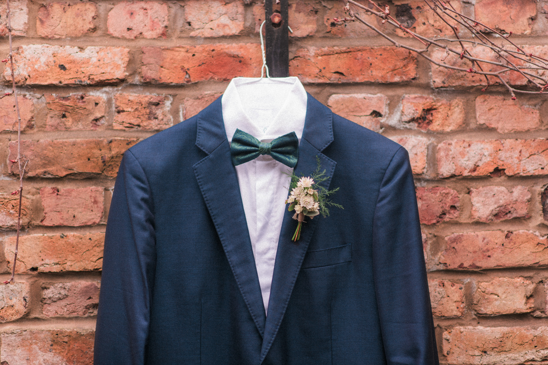 Navy Groom's Suit - A Styled London Elopement - Adriana Morais Fotografia