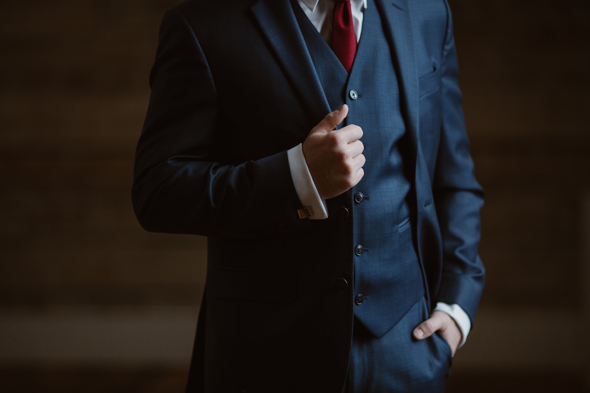Maroon Groom Tie - A Burgundy + Bronze Ramble Creek Fall Wedding - Erin Morrison Photography