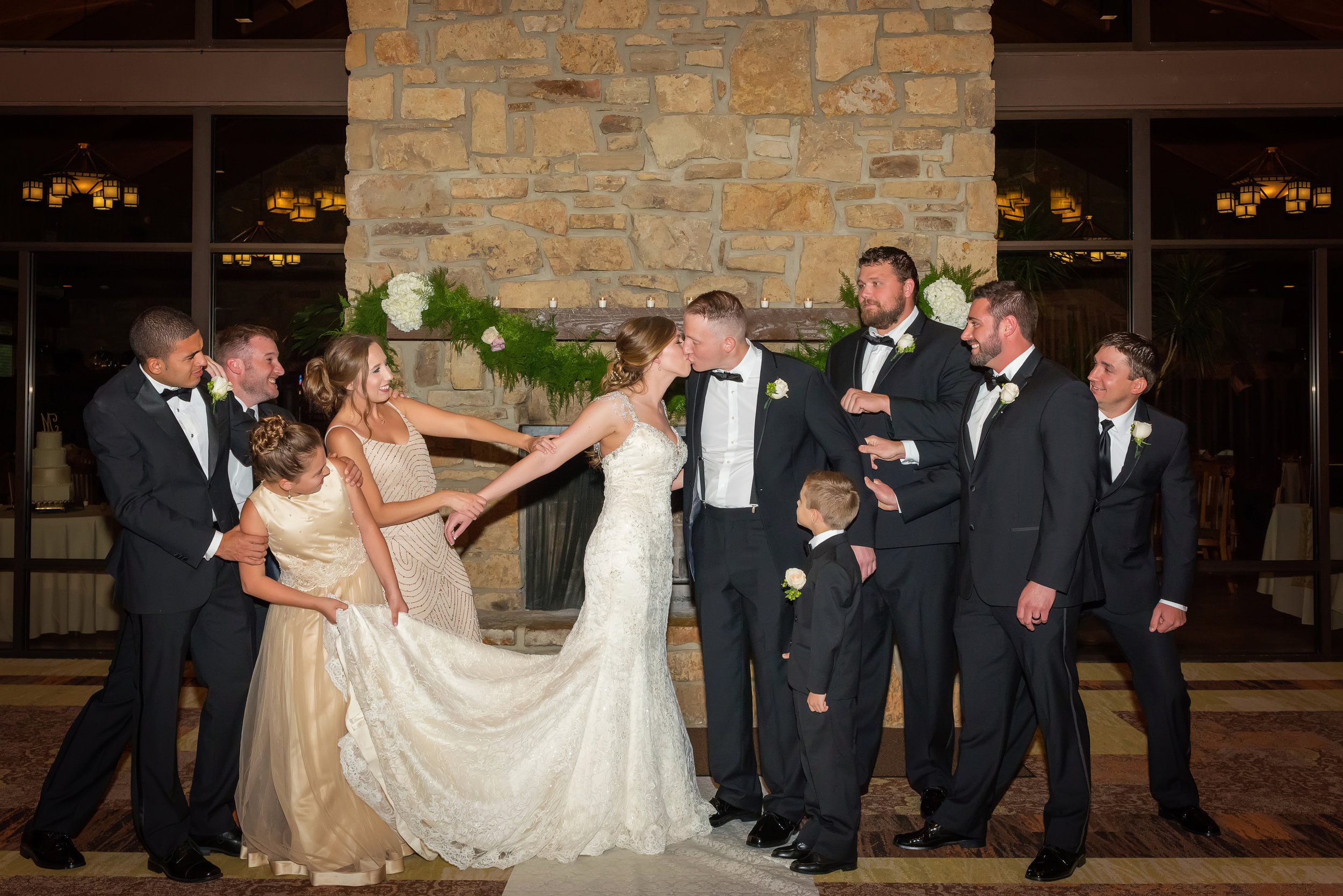 A Post Oak Lodge Wedding - Oklahoma Wedding -- Wedding Blogger -- The Overwhelmed Bride