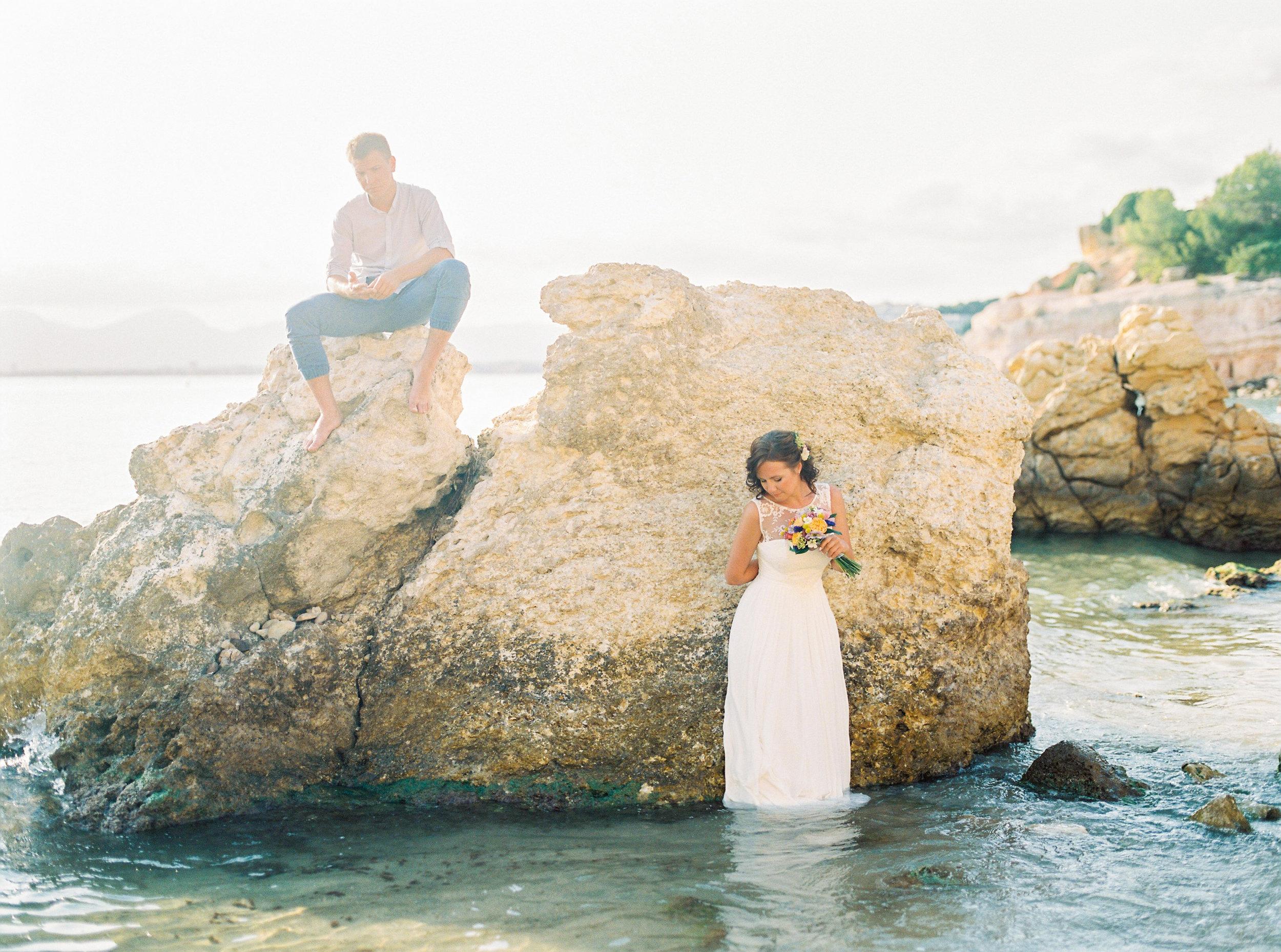 Salou, Spain Beach Wedding - Buenasphotos -- Wedding Blog - The Overwhelmed Bride