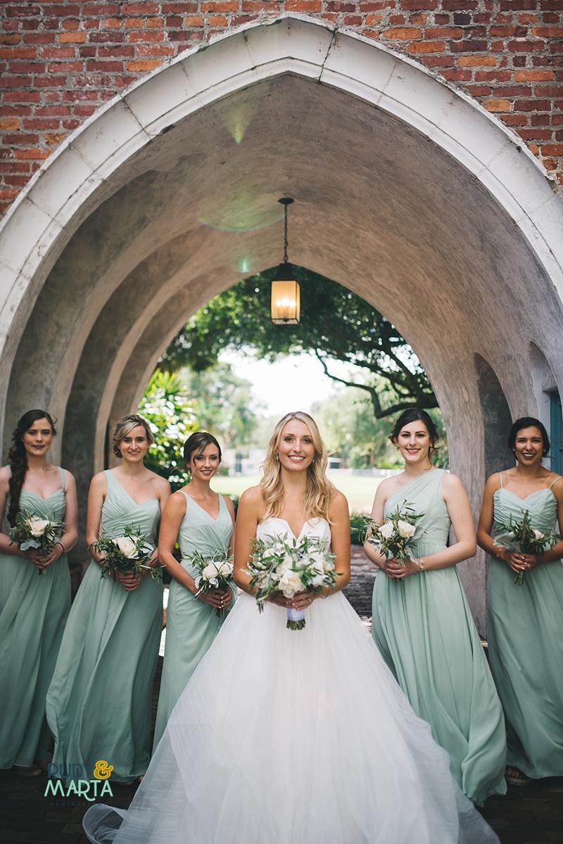 A Mint + White Casa Feliz Wedding - Winter Garden, Florida Wedding -- Wedding Blog - The Overwhelmed Bride