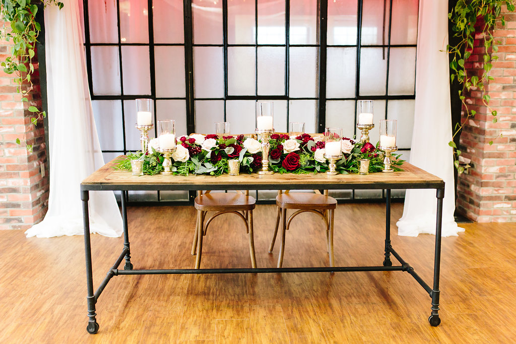 An Industrial Chic HUB 925 Styled Wedding - Emily Knuth Photography -- Wedding Blog - The Overwhelmed Bride