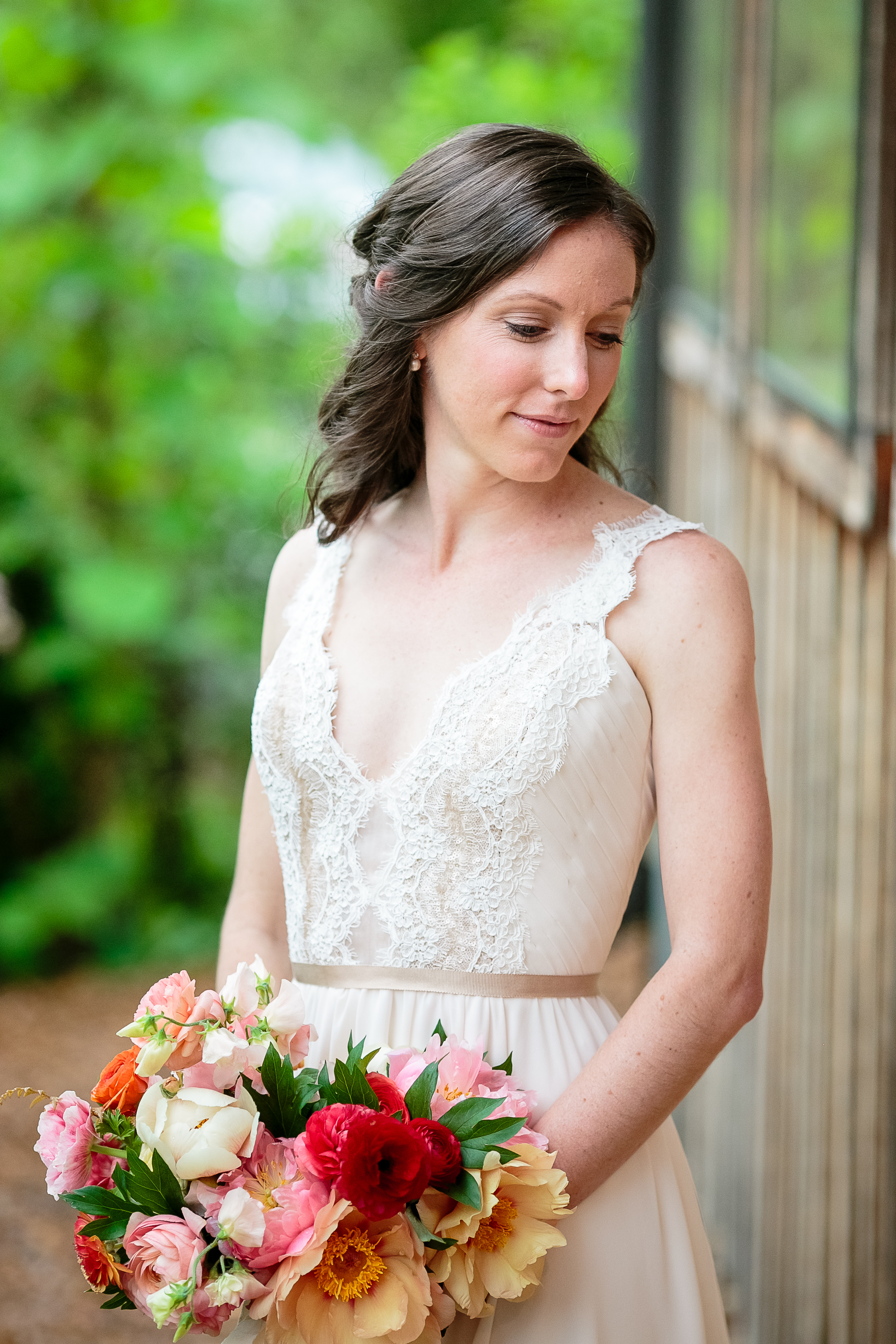 A Green Door Gourmet Tennessee Wedding - Erin Lee Allender Photography -- Wedding Blog - The Overwhelmed Bride