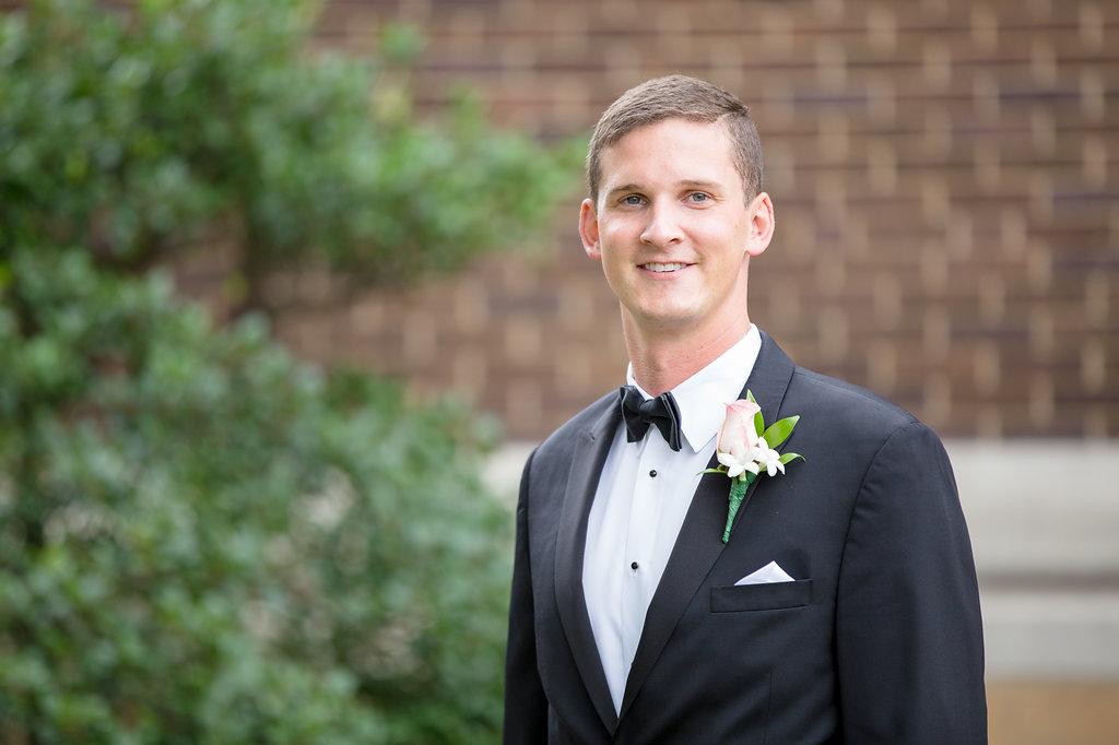 Duquesne University Ballroom Wedding - Classic Wedding -- Wedding Blog - The Overwhelmed Bride