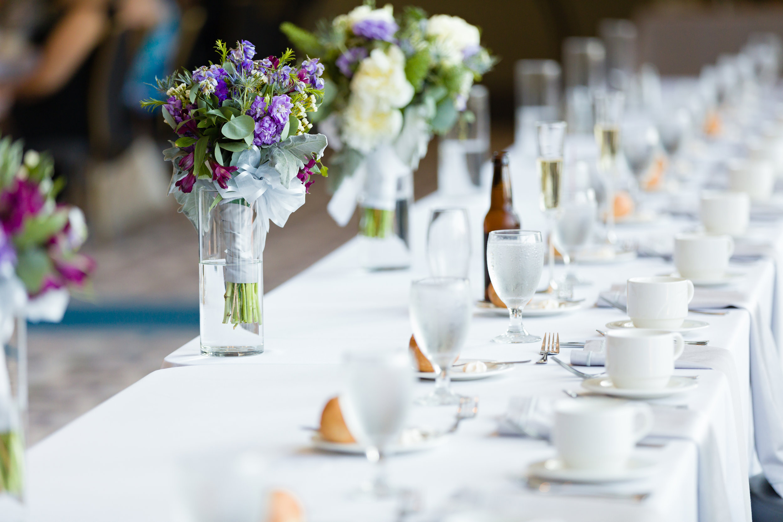 All White Wedding Table Setting - Pittsburgh Wedding Venue - Duquesne University Wedding