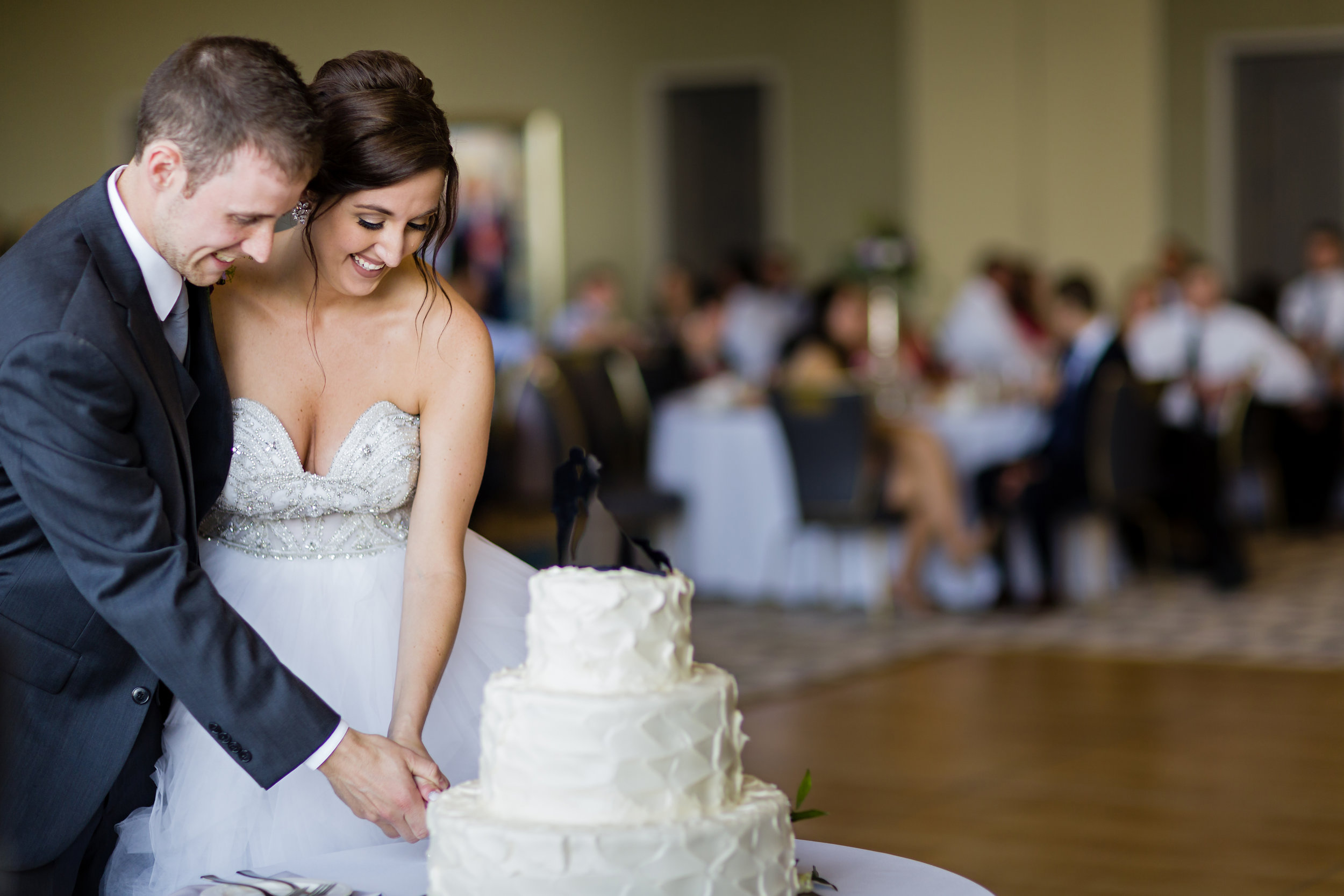 All White Wedding Cake - Pittsburgh Wedding Venue - Duquesne University Wedding