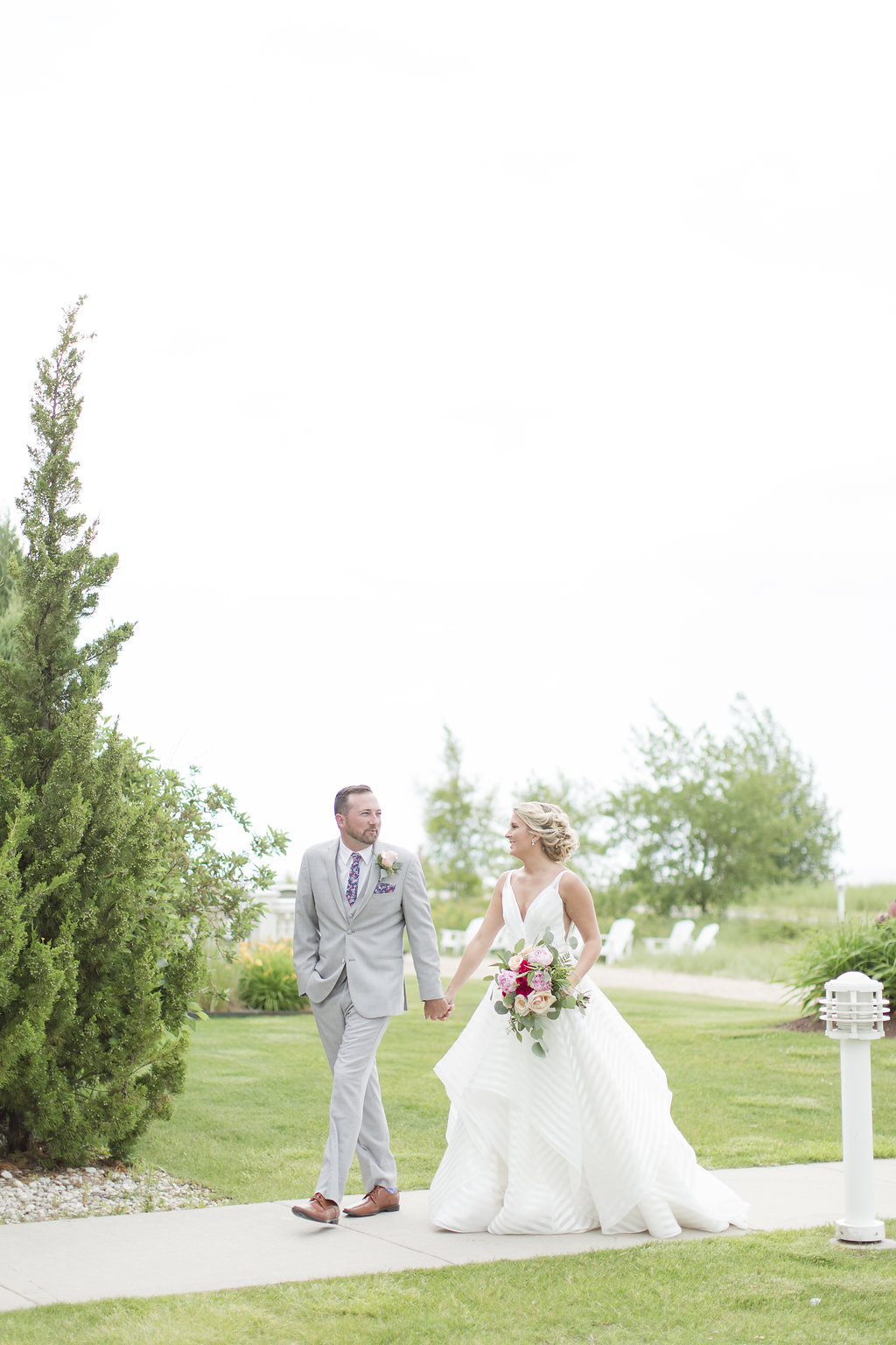 Gorgeous Wedding Photos - Sheboygan Town & Country Golf Club Wedding - Wisconsin Wedding