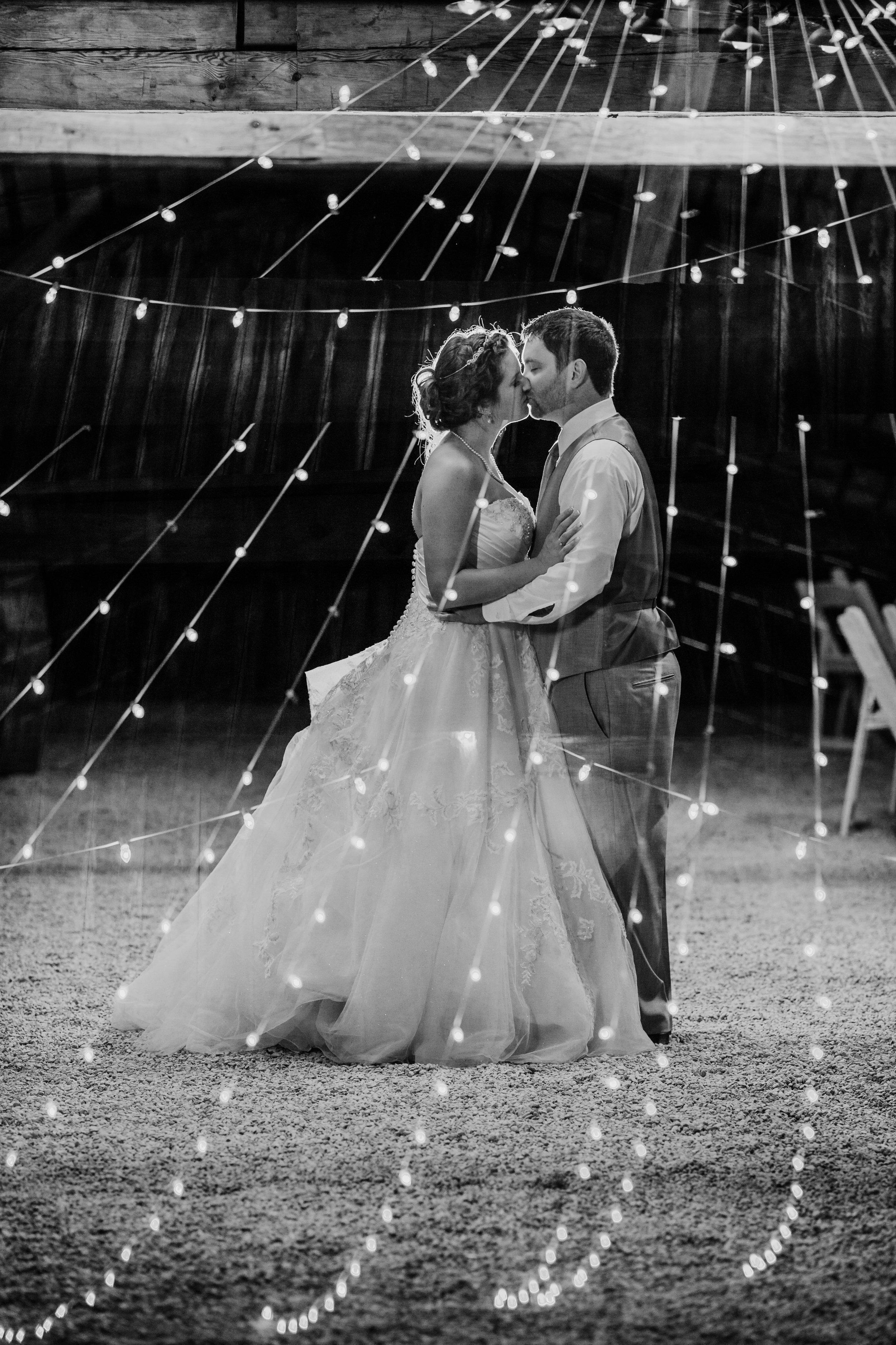 Gorgeous Barn Wedding Photos - A Pennsylvania Barn Swallow Farm Wedding