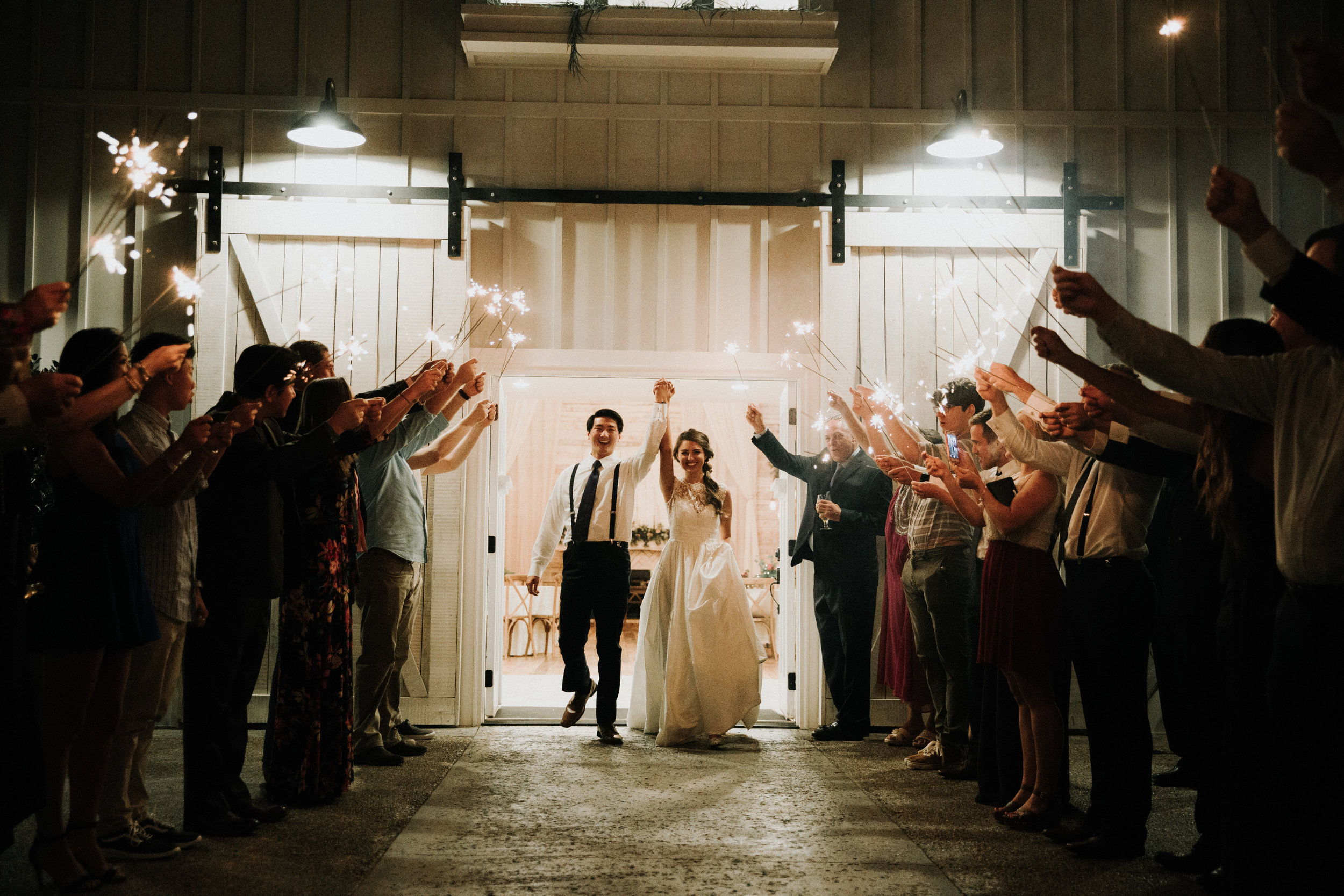 Gorgeous Wedding Photos - Athens, Tennessee Barn Wedding -- The Overwhelmed Bride Wedding Blog