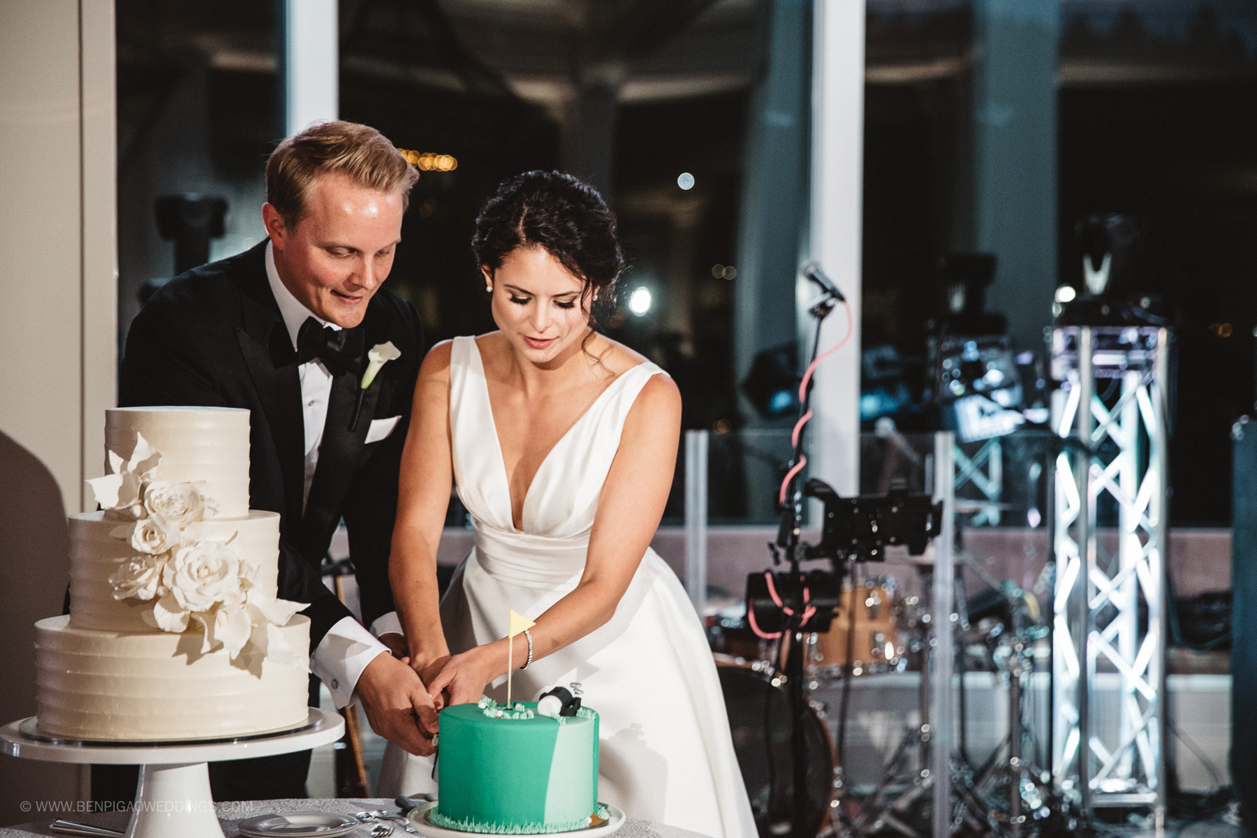 Simple White Wedding Cakes - Portland, Oregon Waverley Country Club Wedding
