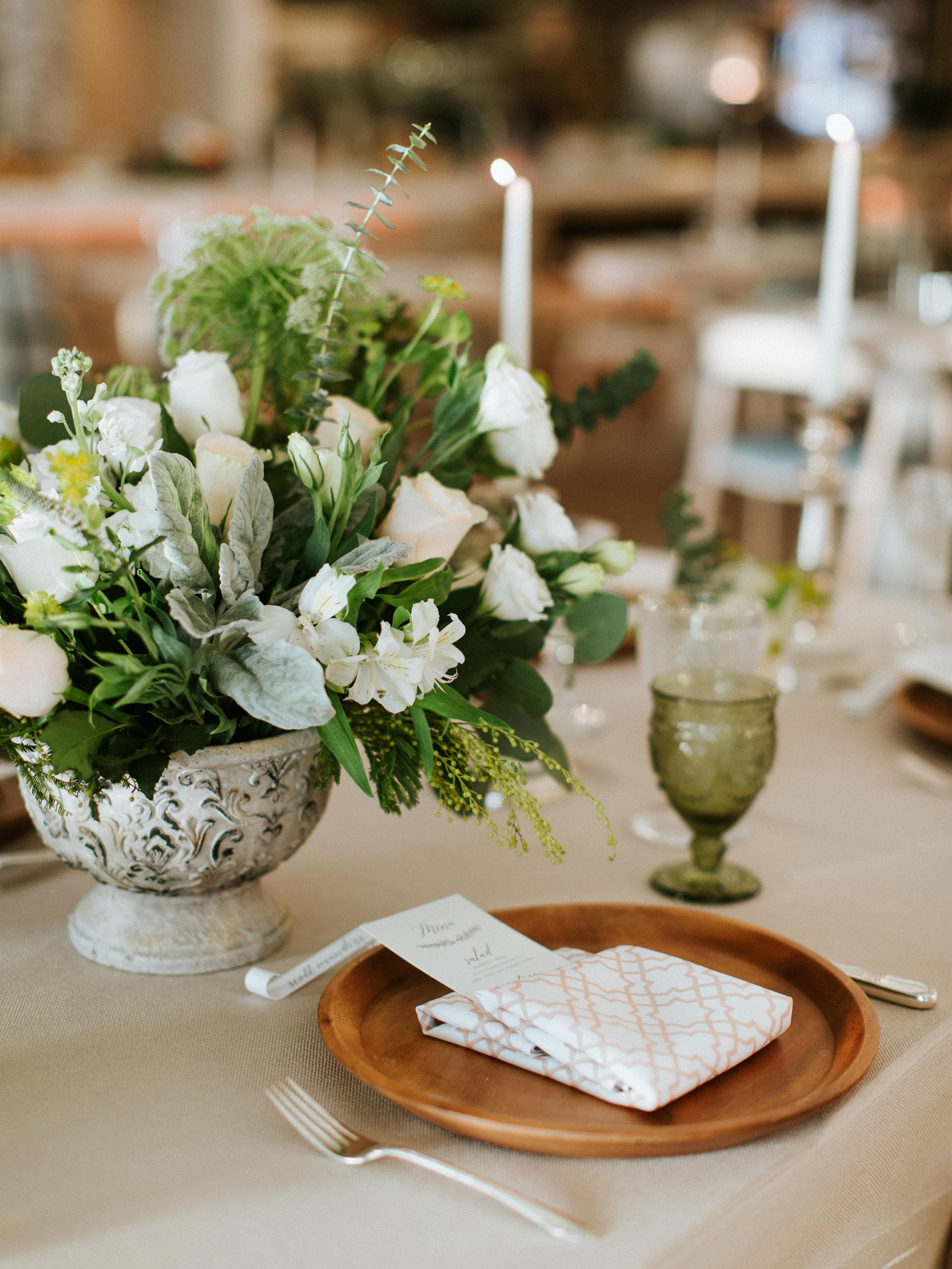 Vintage Wedding Decor - The Overwhelmed Bride Blog
