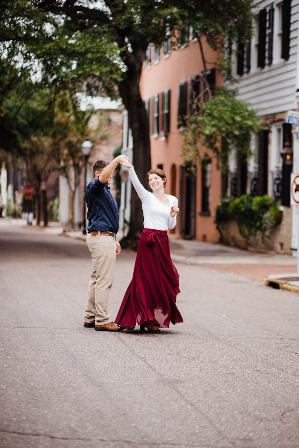 Downtown Charleston Engagement Photos — The Overwhelmed Bride Wedding Blog