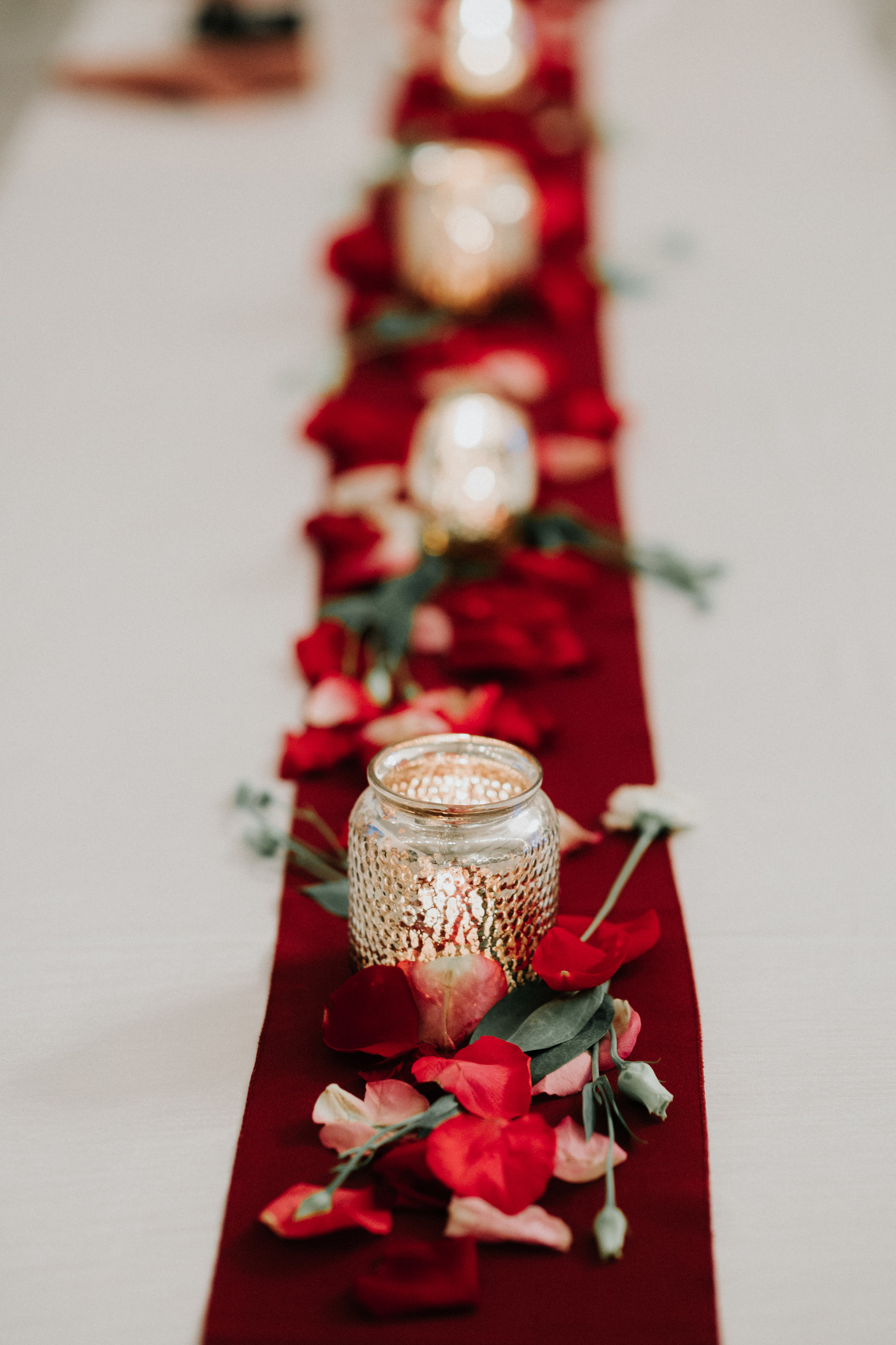 Simple Reception Centerpieces - Dara's Garden Knoxville East Tennessee Wedding — The Overwhelmed Bride Wedding Blog