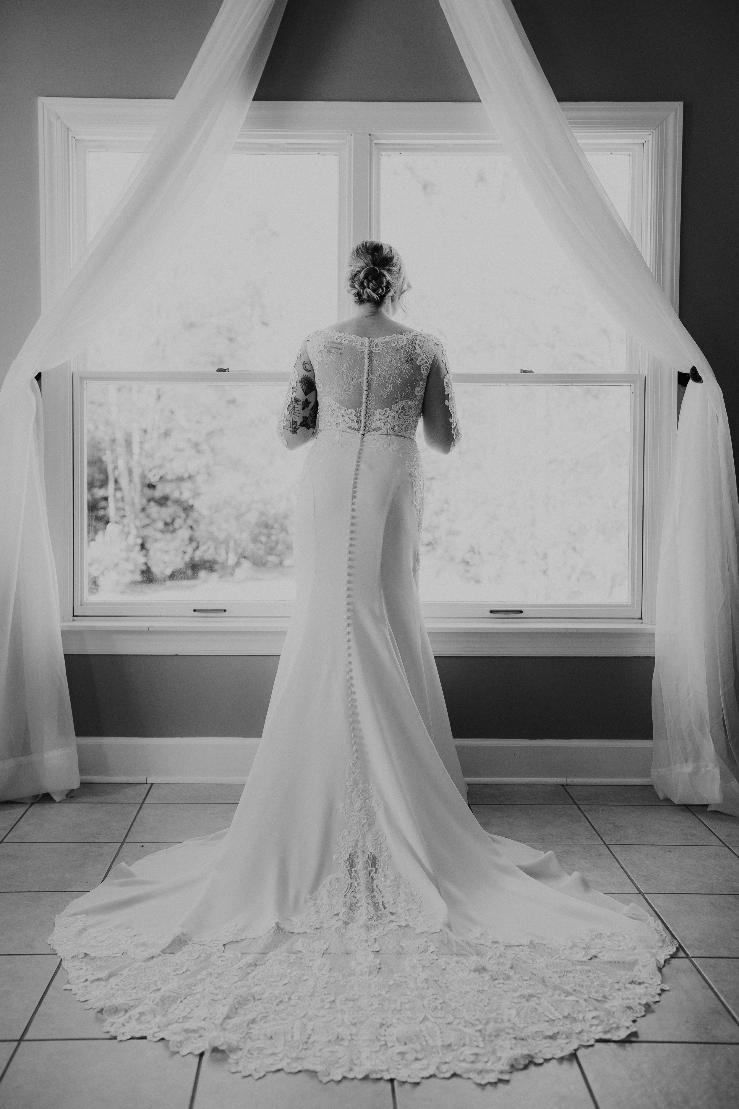 Gorgeous Wedding Dress Photos - Dara's Garden Knoxville East Tennessee Wedding — The Overwhelmed Bride Wedding Blog